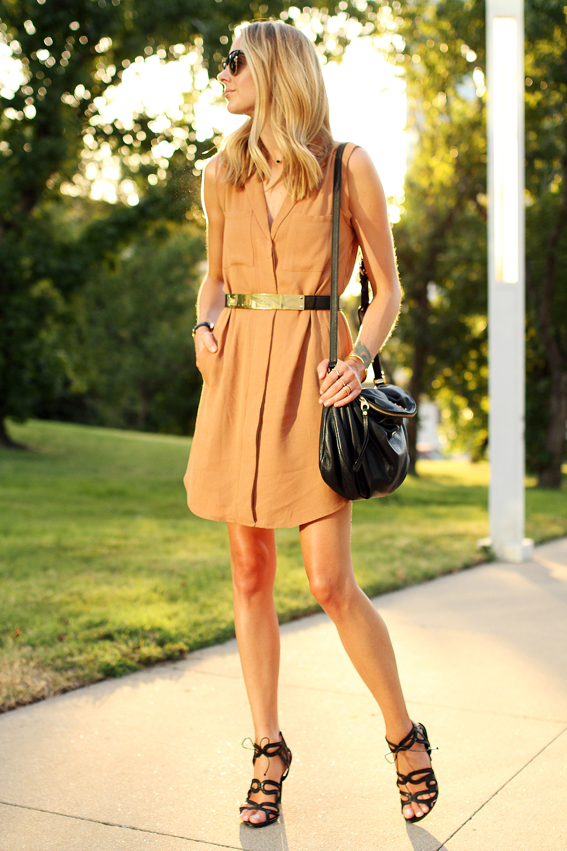 fashion-jackson-greylin-stuart-releaxed-shirt-dress-gold-metal-belt-black-marc-jacobs-crossbody-bag