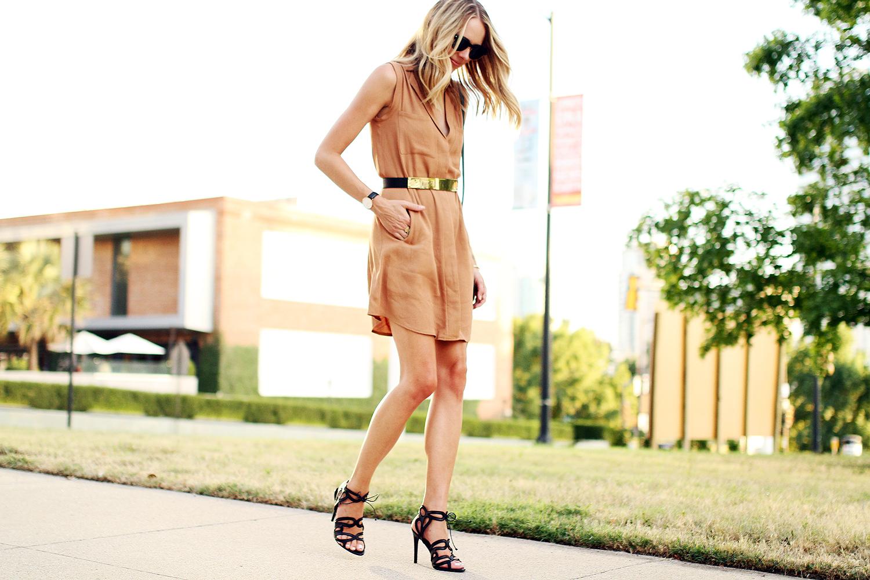 fashion-jackson-greylin-stuart-releaxed-shirt-dress-gold-metal-belt-black-zara-heels