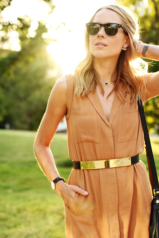 fashion-jackson-greylin-stuart-releaxed-shirt-dress-gold-metal-belt-ray-ban-sunglasses-daniel-wellington-watch