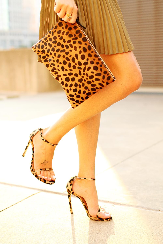 fahsion-jackson-clare-v-leopard-clutch-stuart-weitzman-leopard-heels
