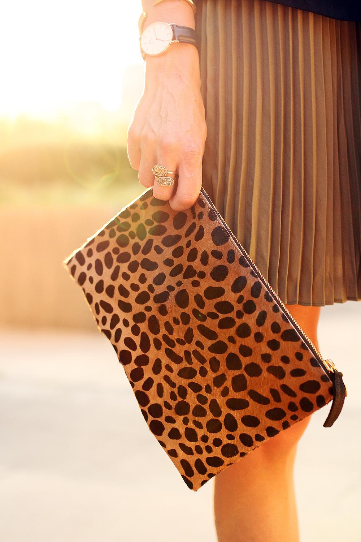 fashion-jackson-clare-v-leopard-clutch