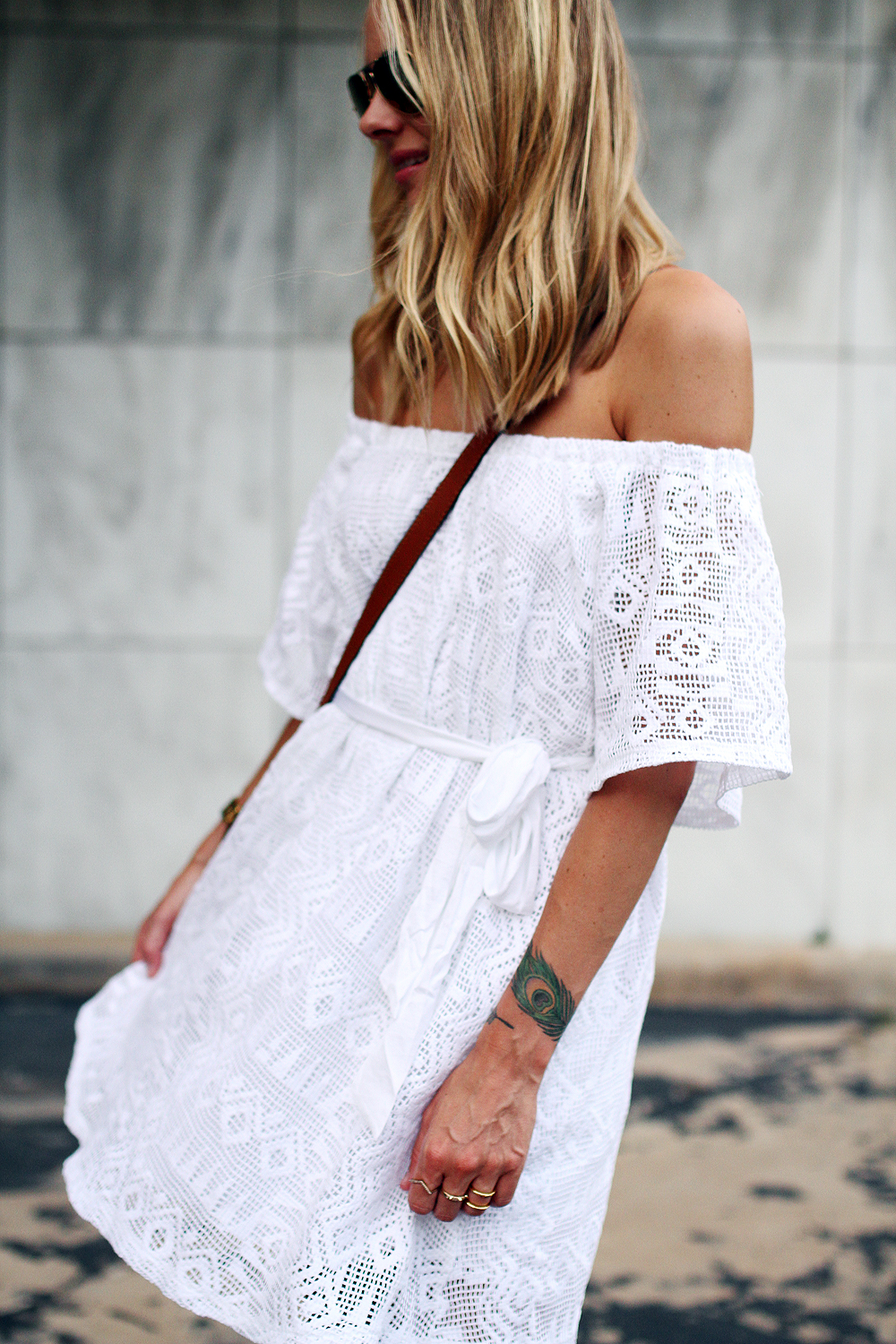 fashion-jackson-ray-ban-gold-aviatro-sunglasses-banana-republic-white-lace-off-the-shoulder-dress