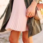 fashion-jackson-banana-republic-blush-pleated-skirt-banana-republic-trench-dress-chloe-drew-handbag