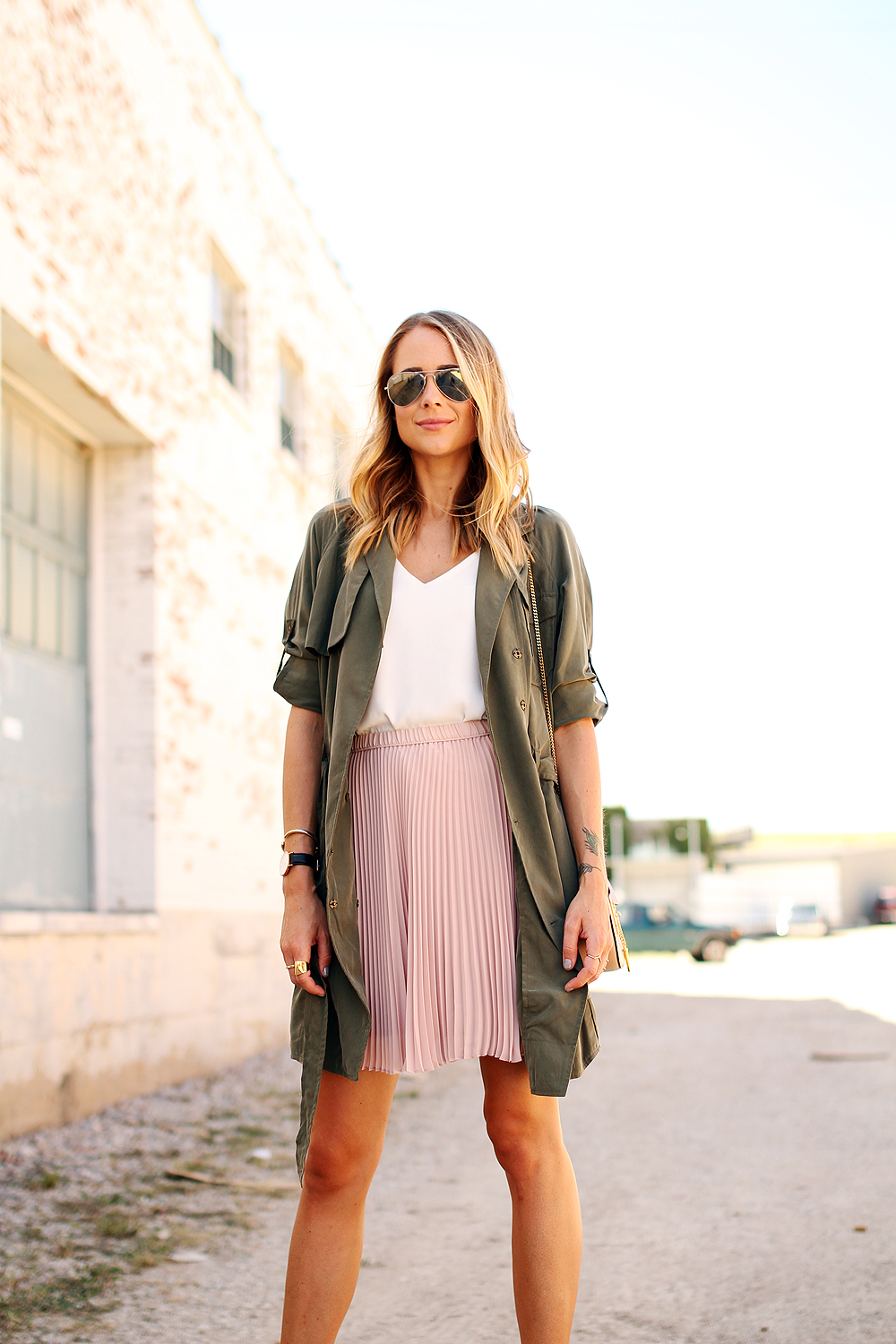 fashion-jackson-banana-republic-blush-pleated-skirt-banana-republic-trench-dress-rayban-silver-aviator-sunglasses