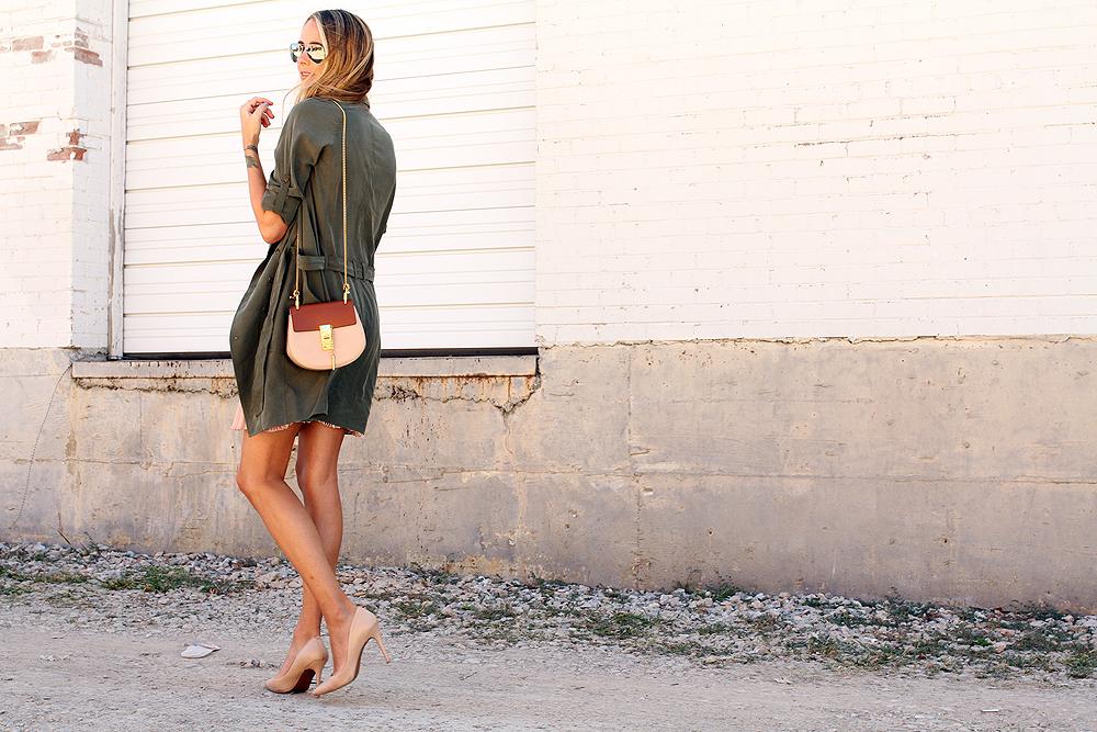 fashion-jackson-banana-republic-trench-dress-chloe-drew-handbag-nude-pumps-rayban-silver-aviator-sunglasses