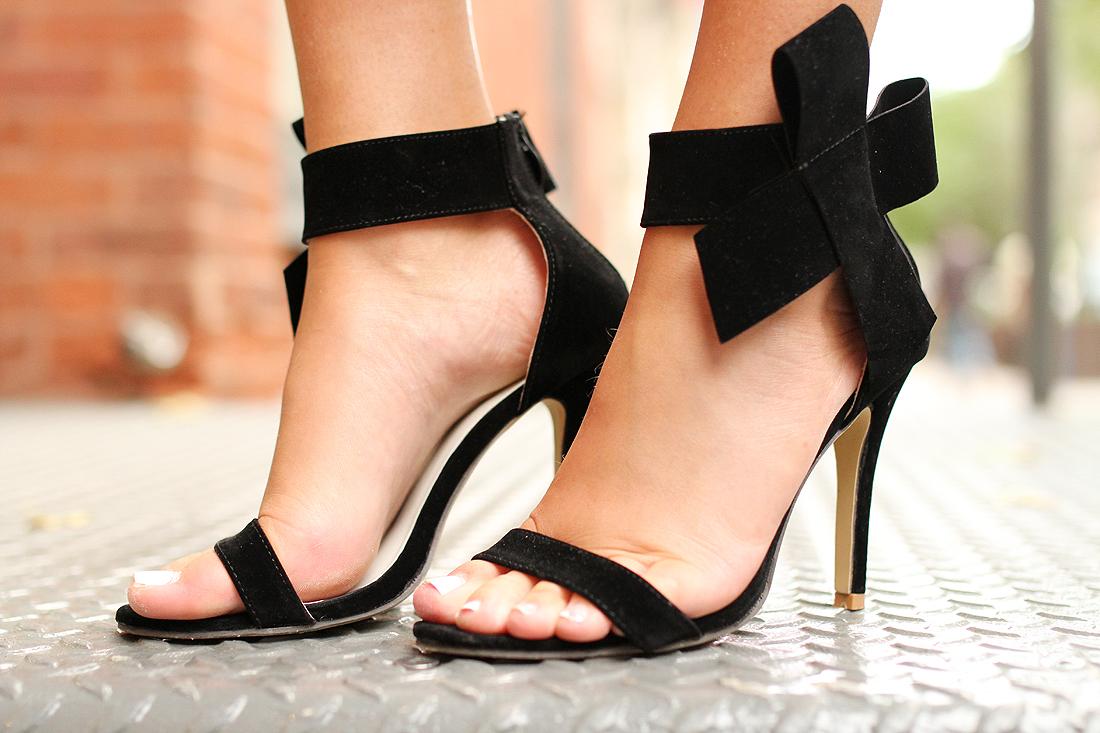 fashion-jackson-black-bow-heels