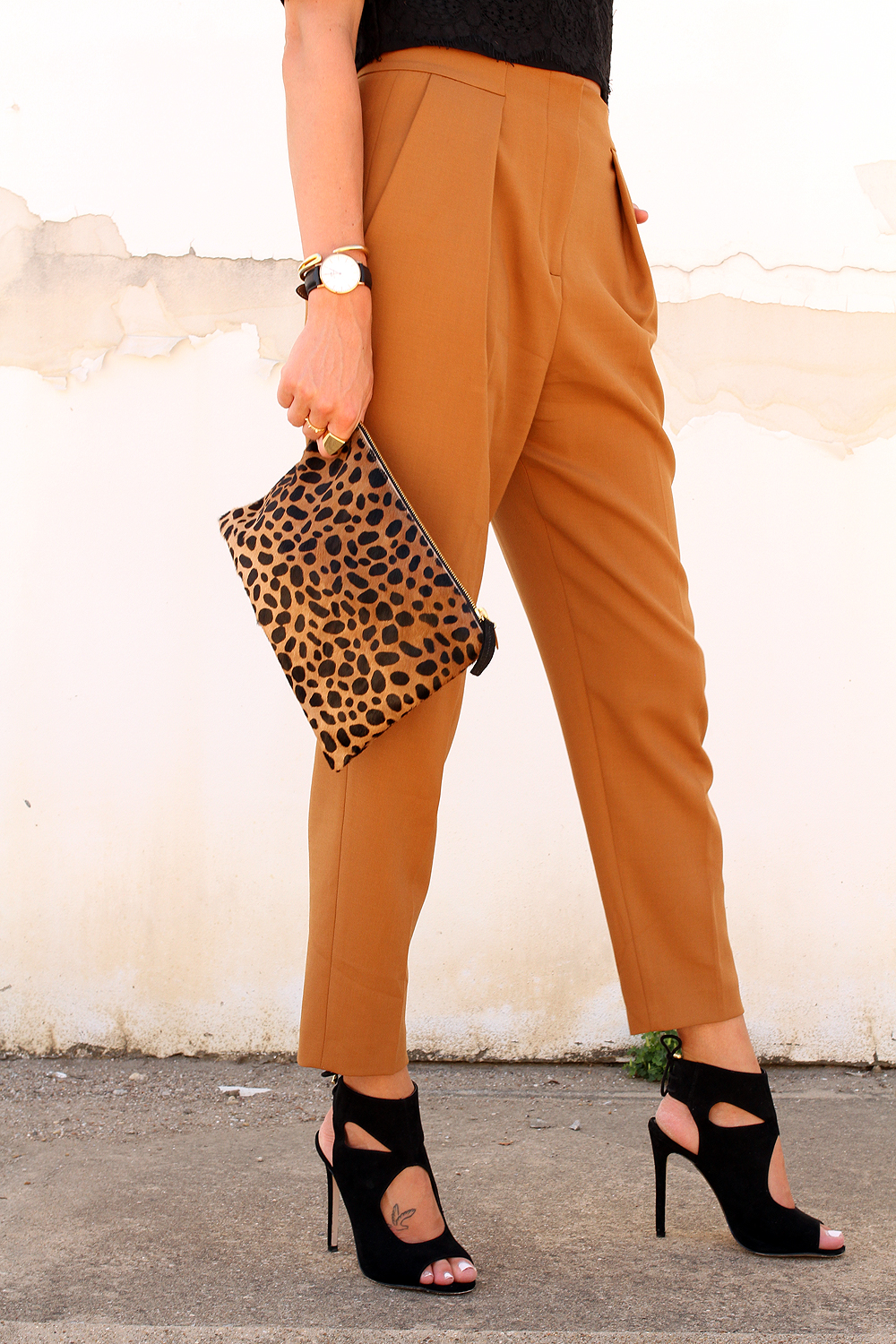 fashion-jackson-french-connection-trousers-aquazzura-sexy-thing-similar-heels-clare-v-leopard-clutch-daneil-wellington-watch