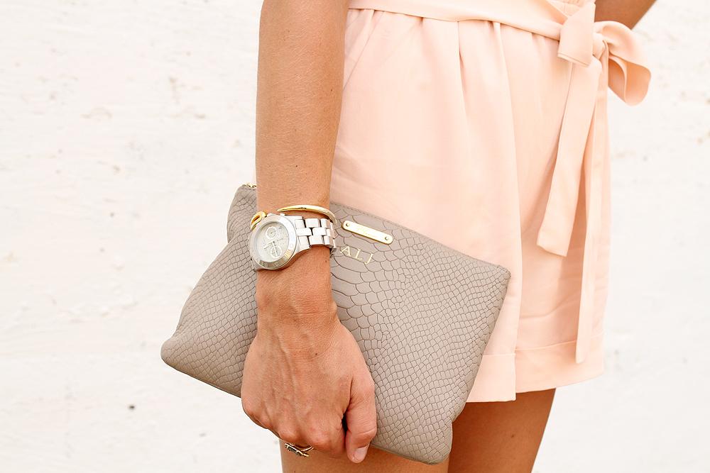 fashion-jackson-gigi-new-york-all-in-one-clutch