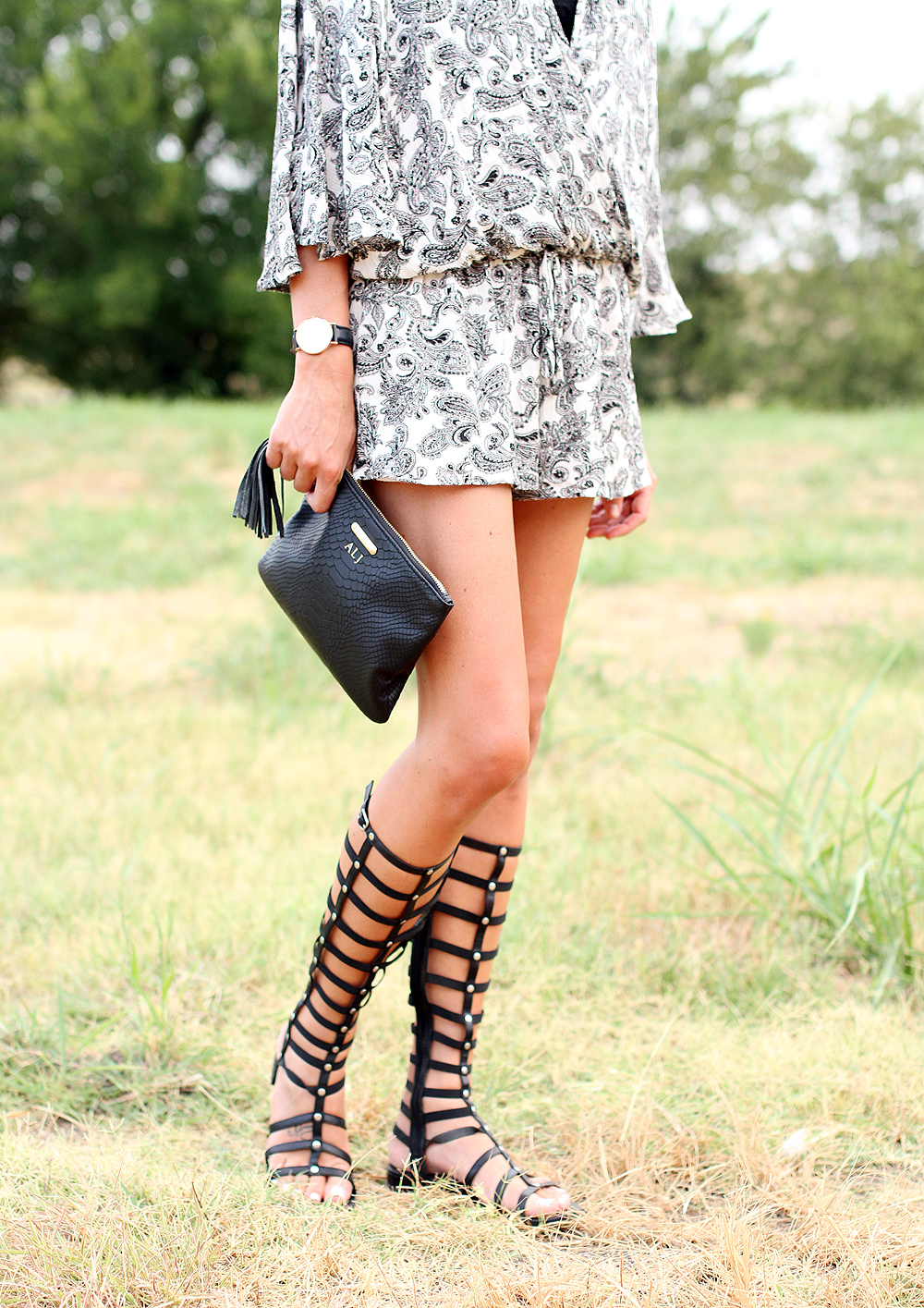 fashion-jackson-printed-romper-stuart-weitzman-black-gladiator-sandals-gigi-new-york-clutch