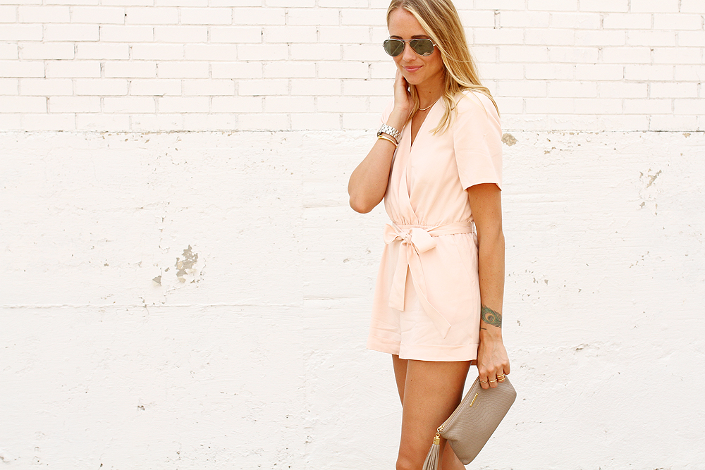 fashion-jackson-ray-ban-aviator-sunglasses-gigi-new-york-clutch-finders-keepers-rewind-playsuit-romper-pink