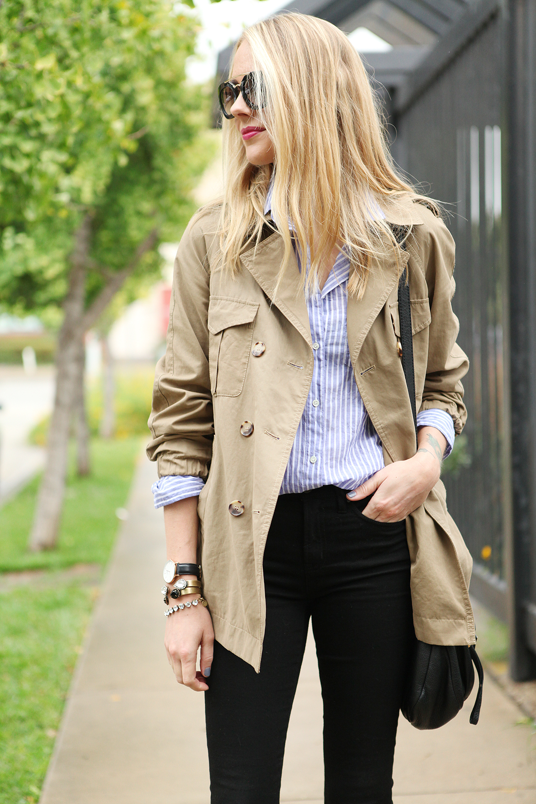 fashion-jackson-blue-white-stripe-shirt-cargo-swing-trench-black-skinny-jeans