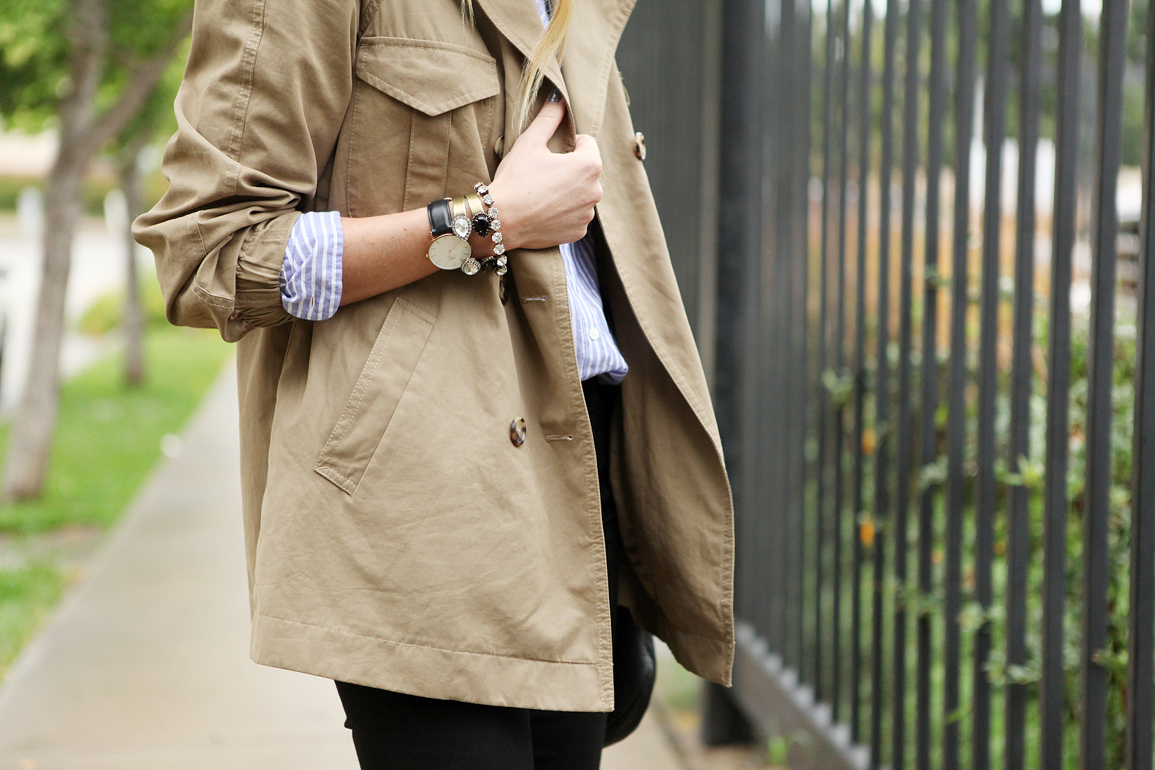 fashion-jackson-cargo-swing-trench-loren-hope-bracelets-daniel-wellington-watch