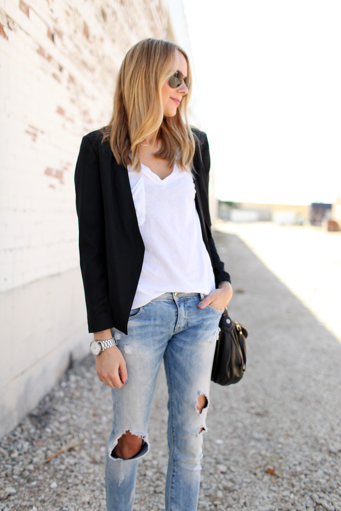 fashion-jackson-white-tshirt-tart-gaby-black-blazer-ripped-jeans