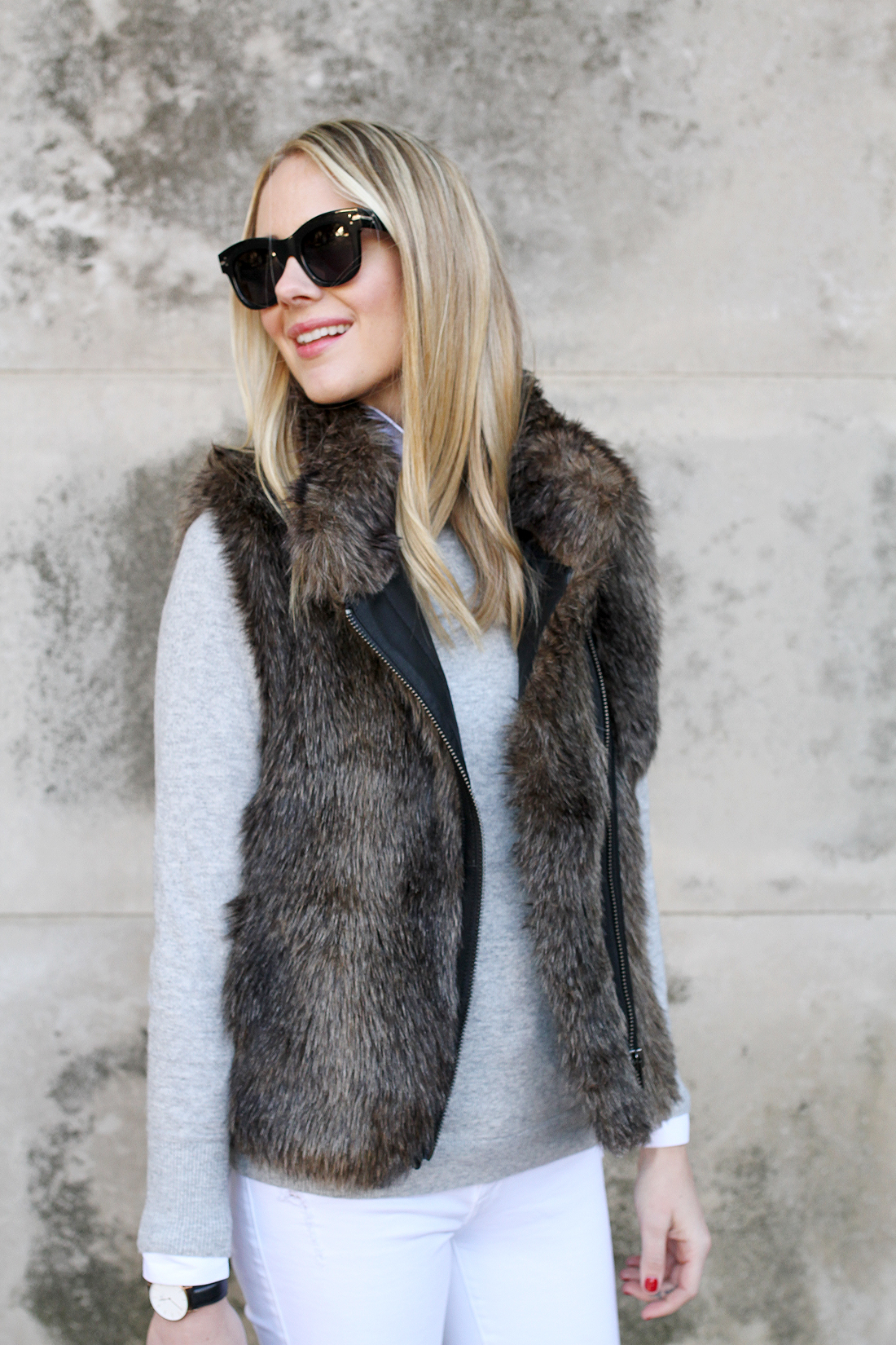 Bluelans Chic Lady Faux Fur Vest Waistcoat Winter Autumn Sleeveless Outwear Casual Coat. Sold by Bluelans. $ $ - $ Holo Fashion Women Ladies Outerwear Sleeveless Casual Faux Fur Vest Warm Coat Outwear. Sold by Best selling. $ $