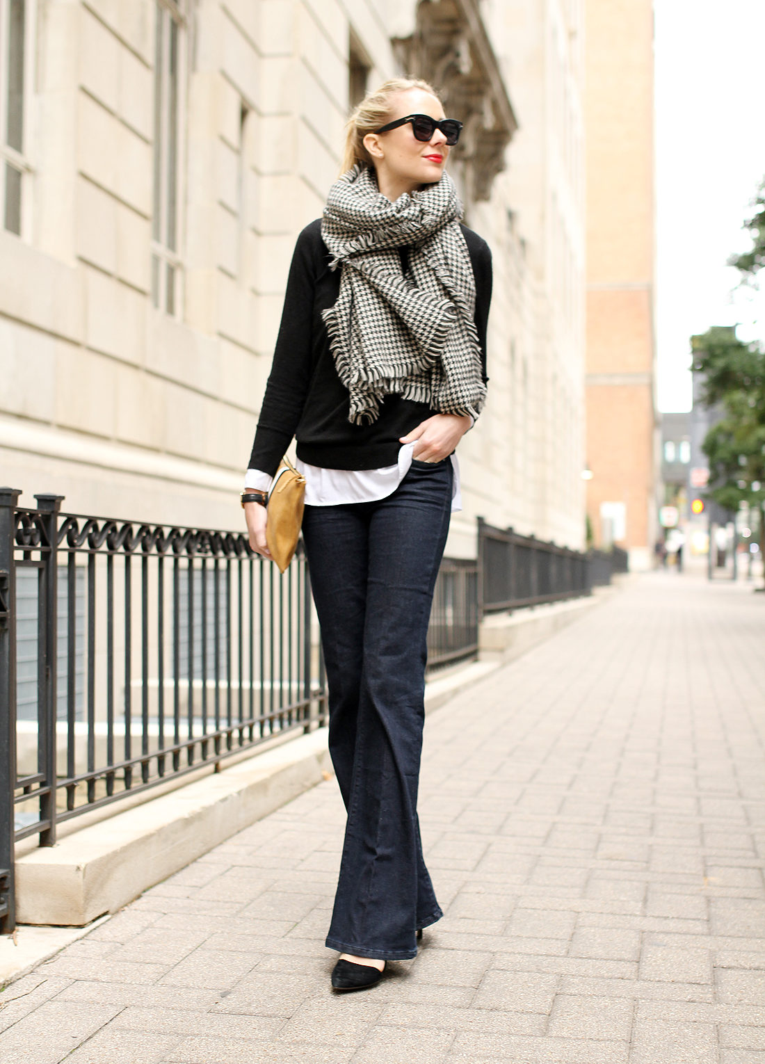 fashion-jackson-houndstooth-scarf-denim-flare-jeans-black-sweater-black-pumps