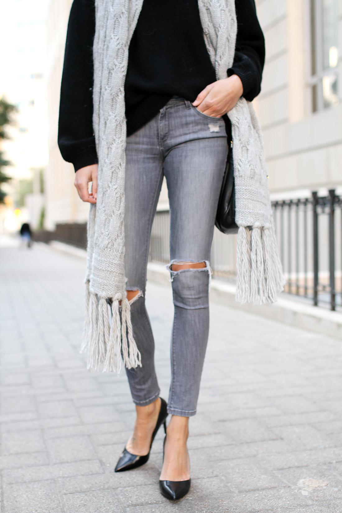 fashion-jackson-DL1961-emma-jeans-banana-republic-black-pumps-banana-republic-grey-fringe-scarf-black-oversized-sweater