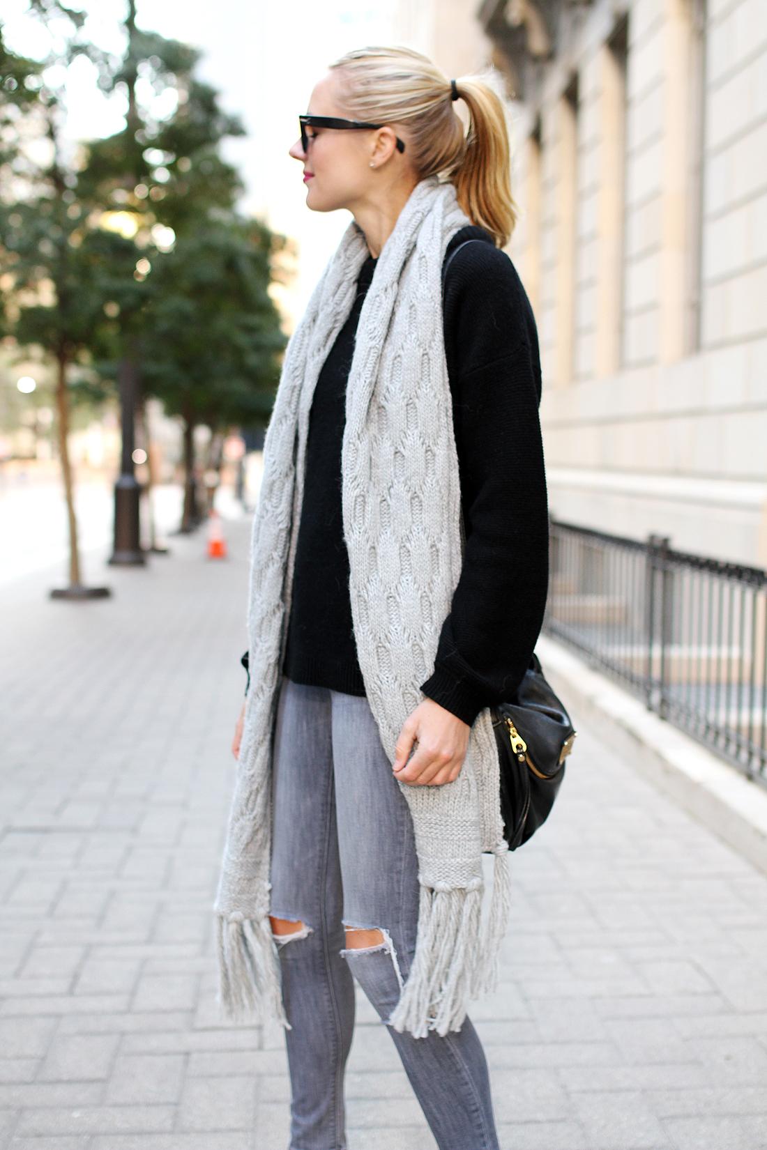 fashion-jackson-banana-republic-grey-fringe-scarf-black-oversized-sweater-grey-ripped-skinny-jeans