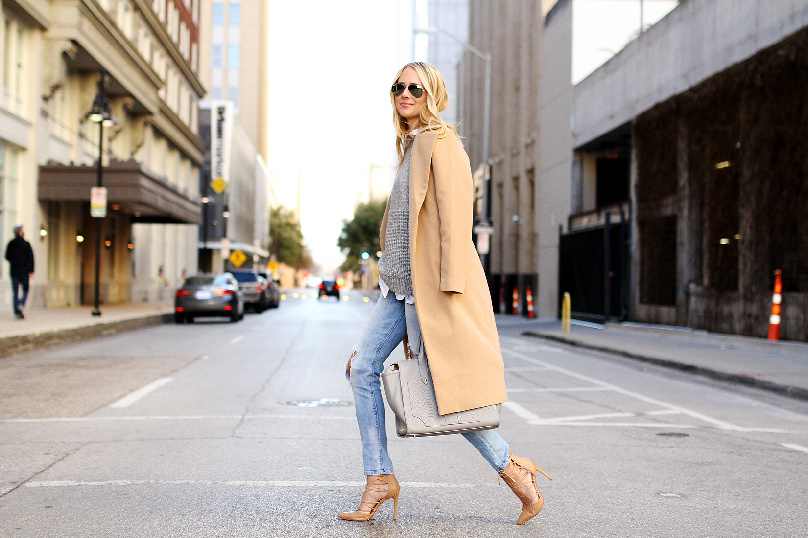 fashion-jackson-camel-coat-ripped-skinny-jeans-nude-pumps