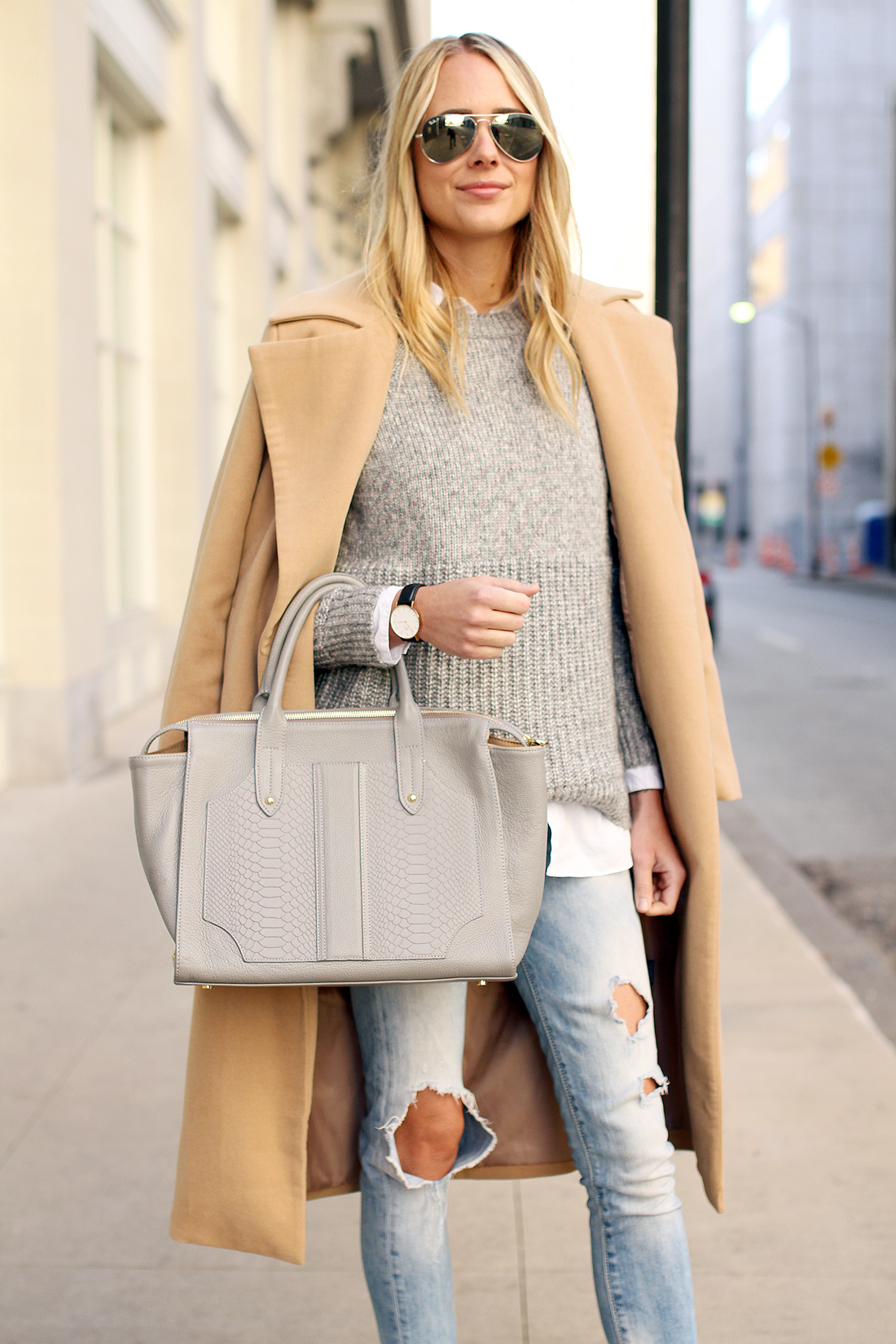fashion-jackson-gigi-new-york-gates-statchel-grey-camel-coat-grey-sweater-ripped-skinny-jeans