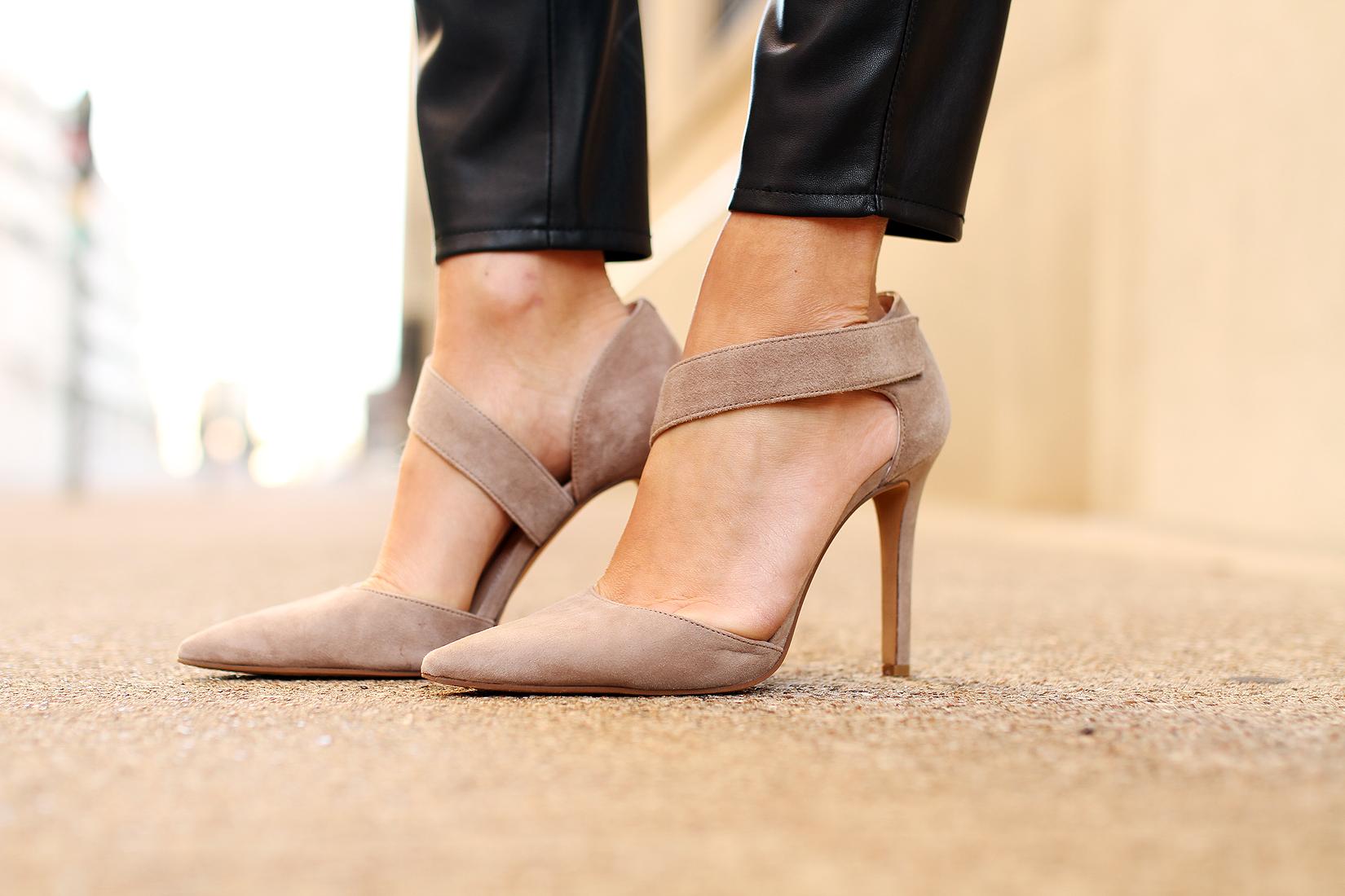 fashion-jackson-vince-camuto-carlotte-pumps