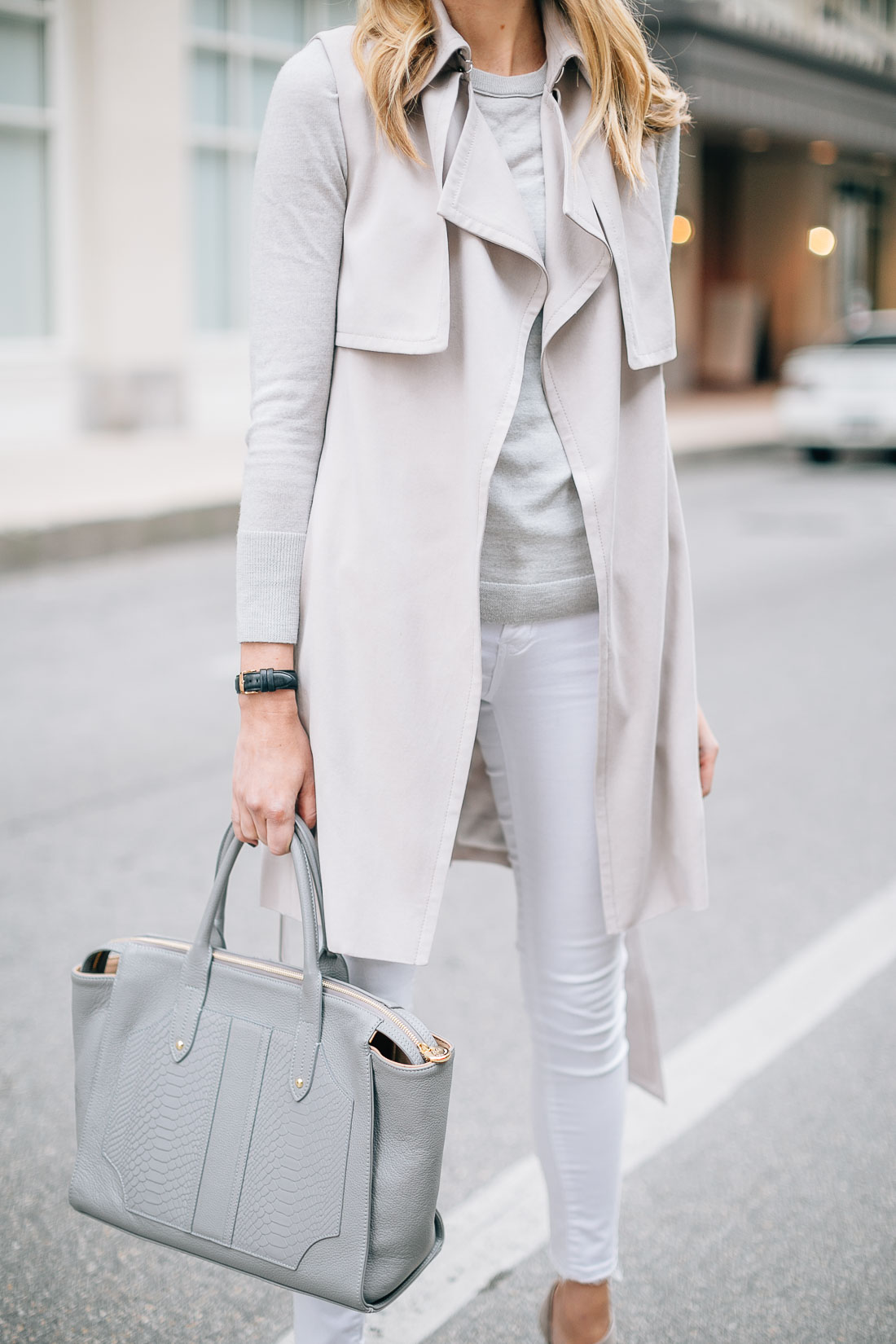 fashion-jackson-club-monaco-trench-vest-grey-sweater-white-skinny-jeans-gigi-new-york-grey-tote