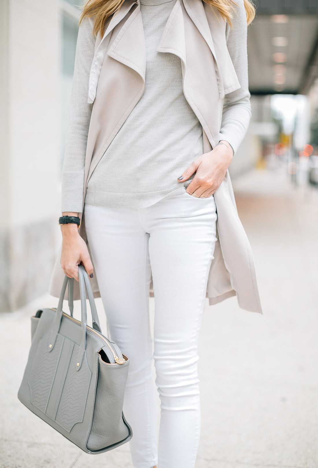 fashion-jackson-gigi-new-york-grey-tote-white-skinny-jeans-club-monaco-trench-vest-grey-sweater