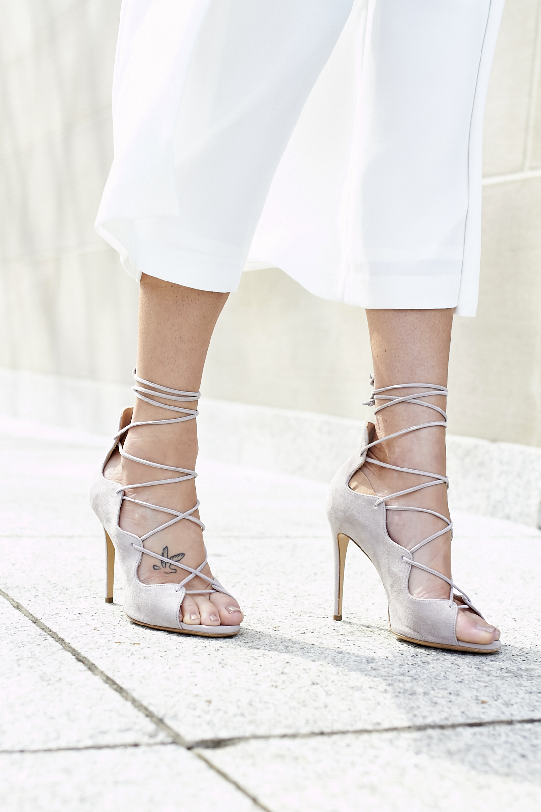 fashion-jackson-mgemi-marea-lace-up-heels-white-culottes