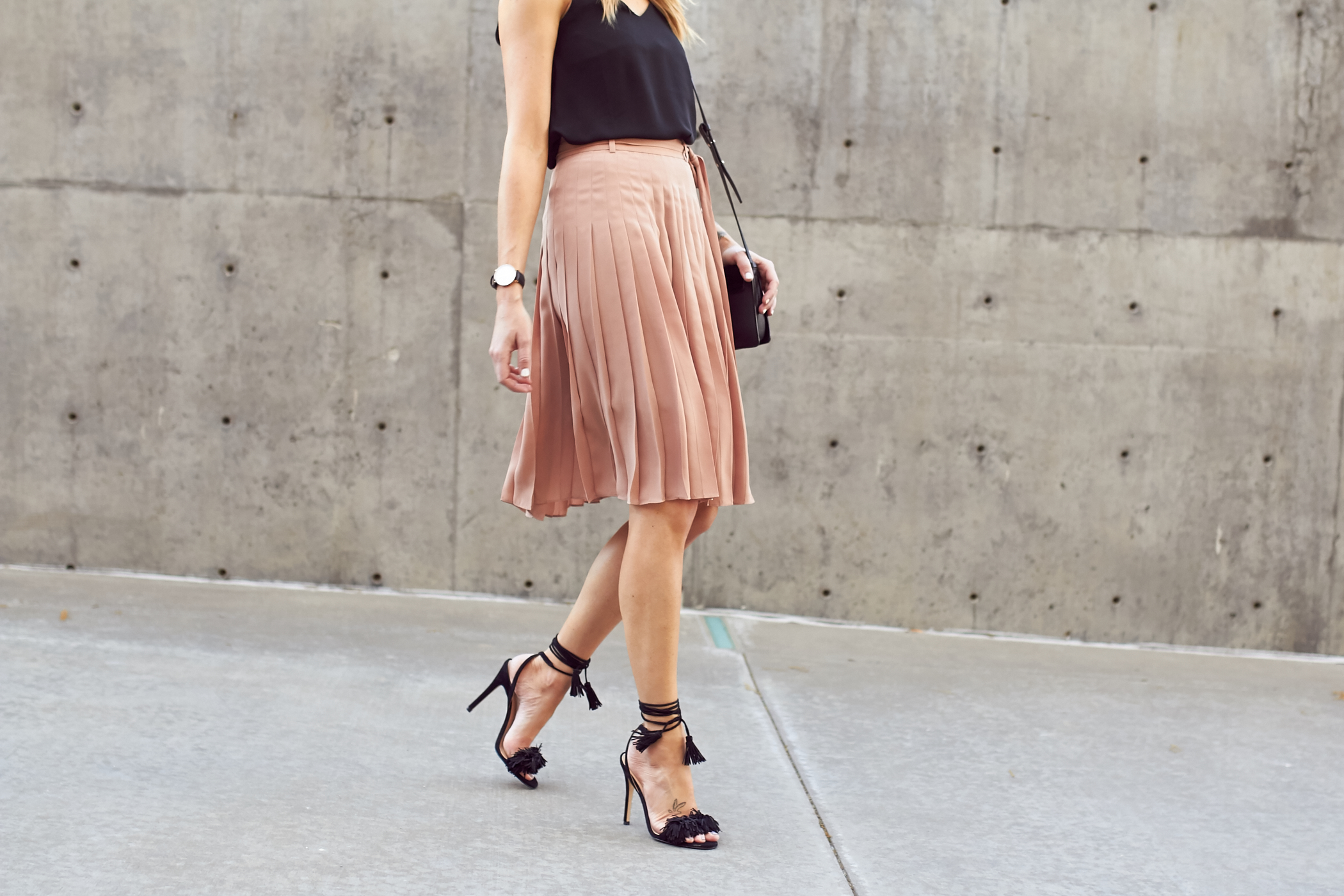 fashion-jackson-ann-taylor-pink-pleated-skirt-black-fringe-wild-thing-sandals-heels