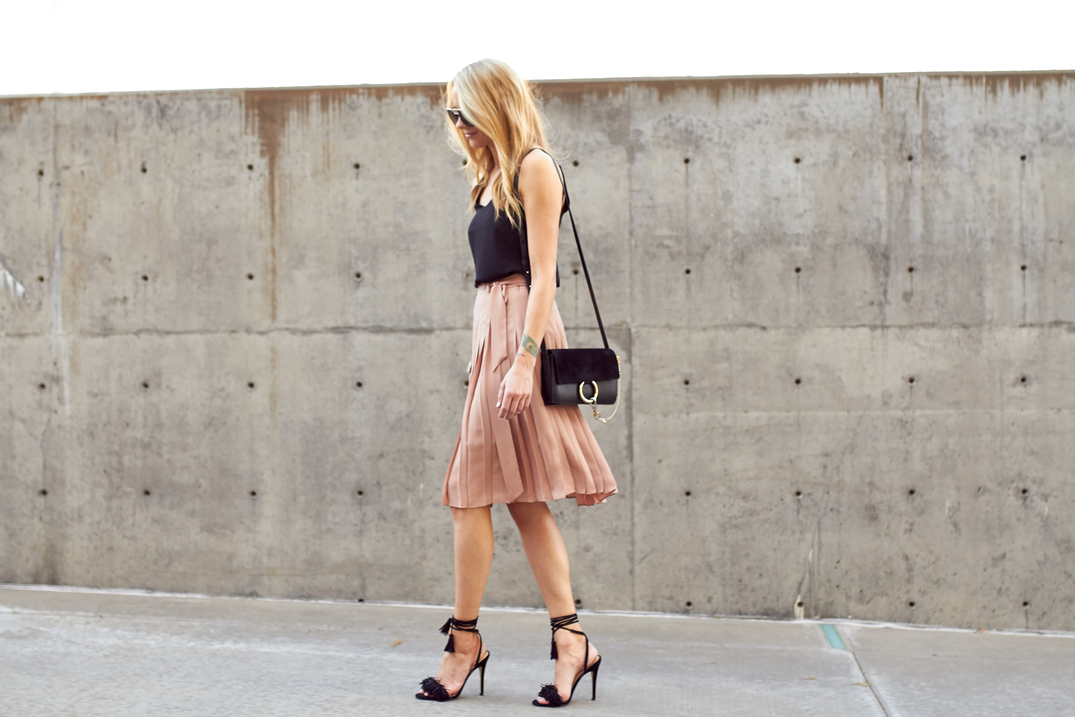 fashion-jackson-chloe-faye-handbag-pink-pleated-skirt