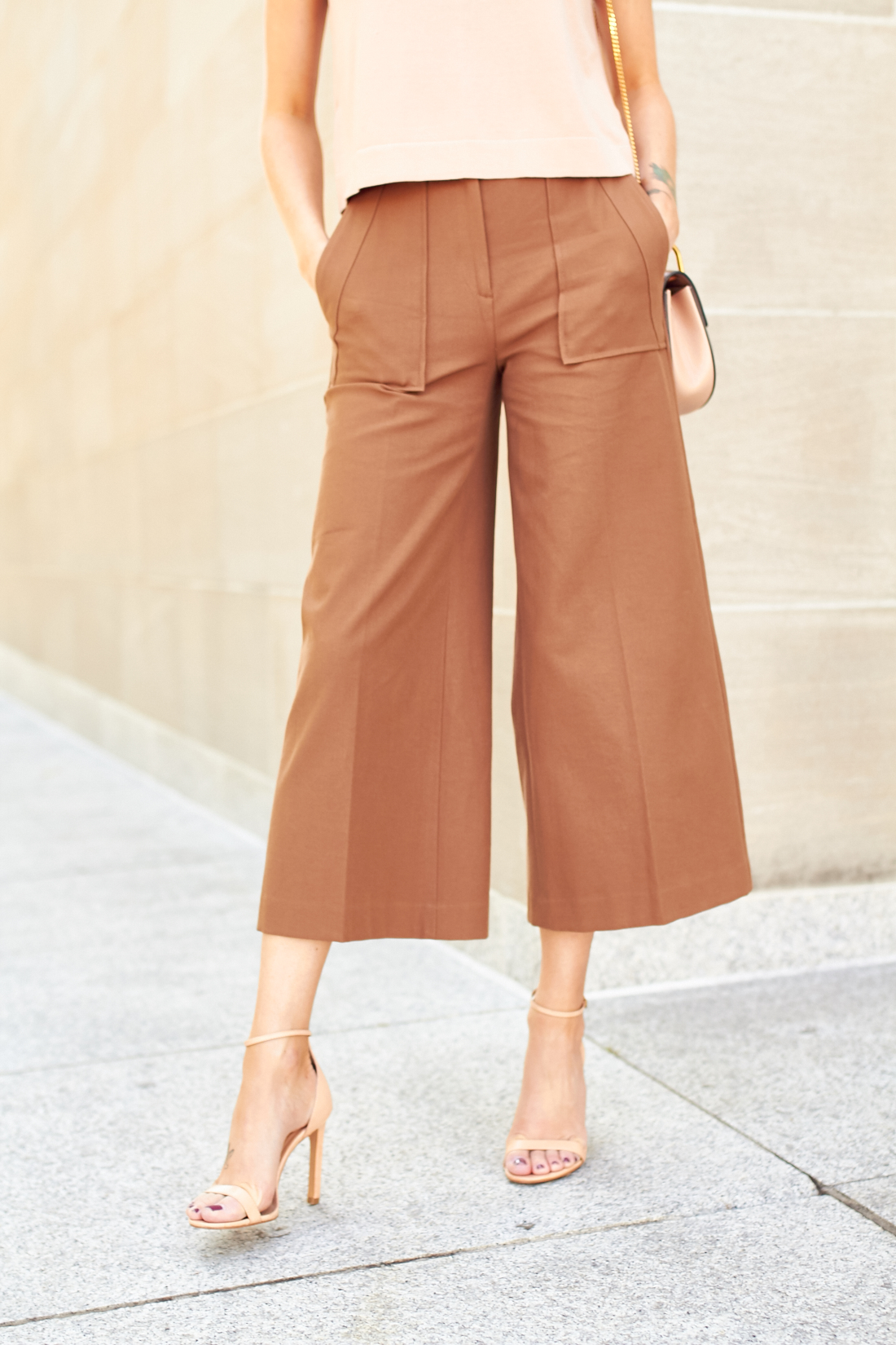 Shop wide leg pants and trousers designed for plus size women! Browse all wide leg pant styles in sizes 14 to Nobody fits your curves like Lane Bryant!