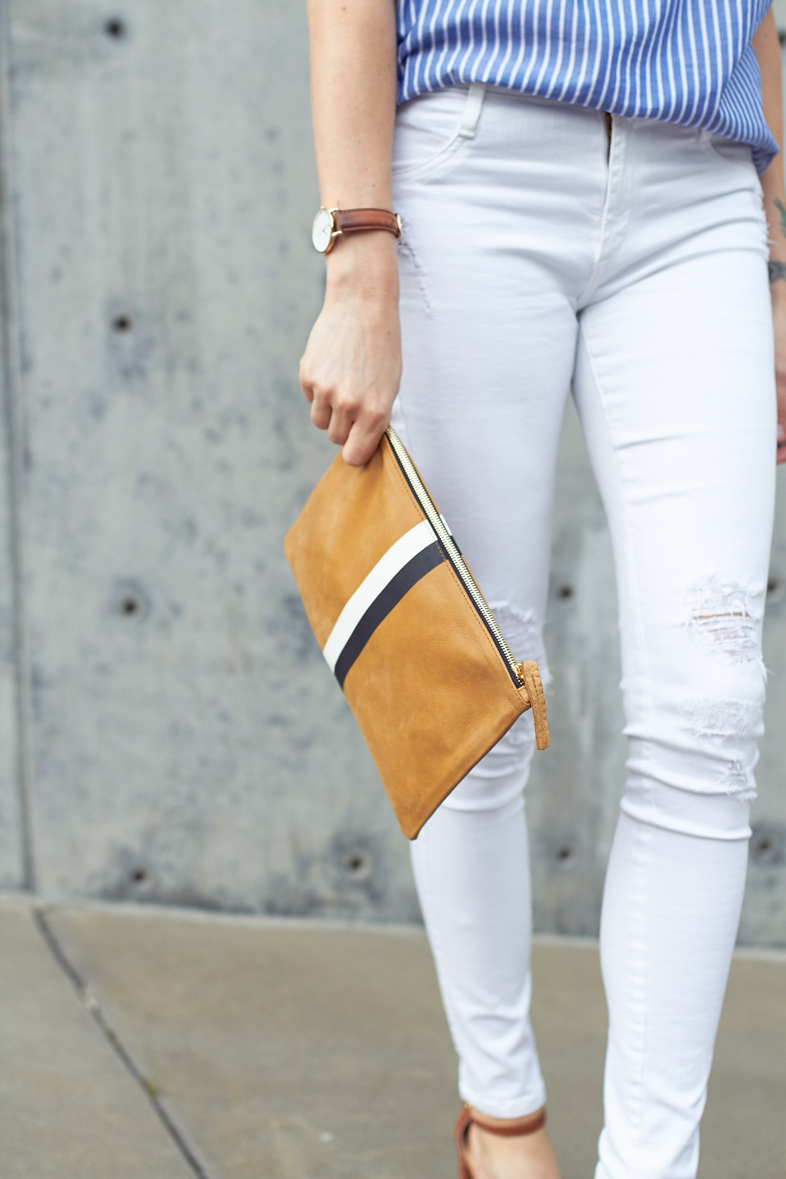 fashion-jackson-white-skinny-jeans-clare-v-clutch