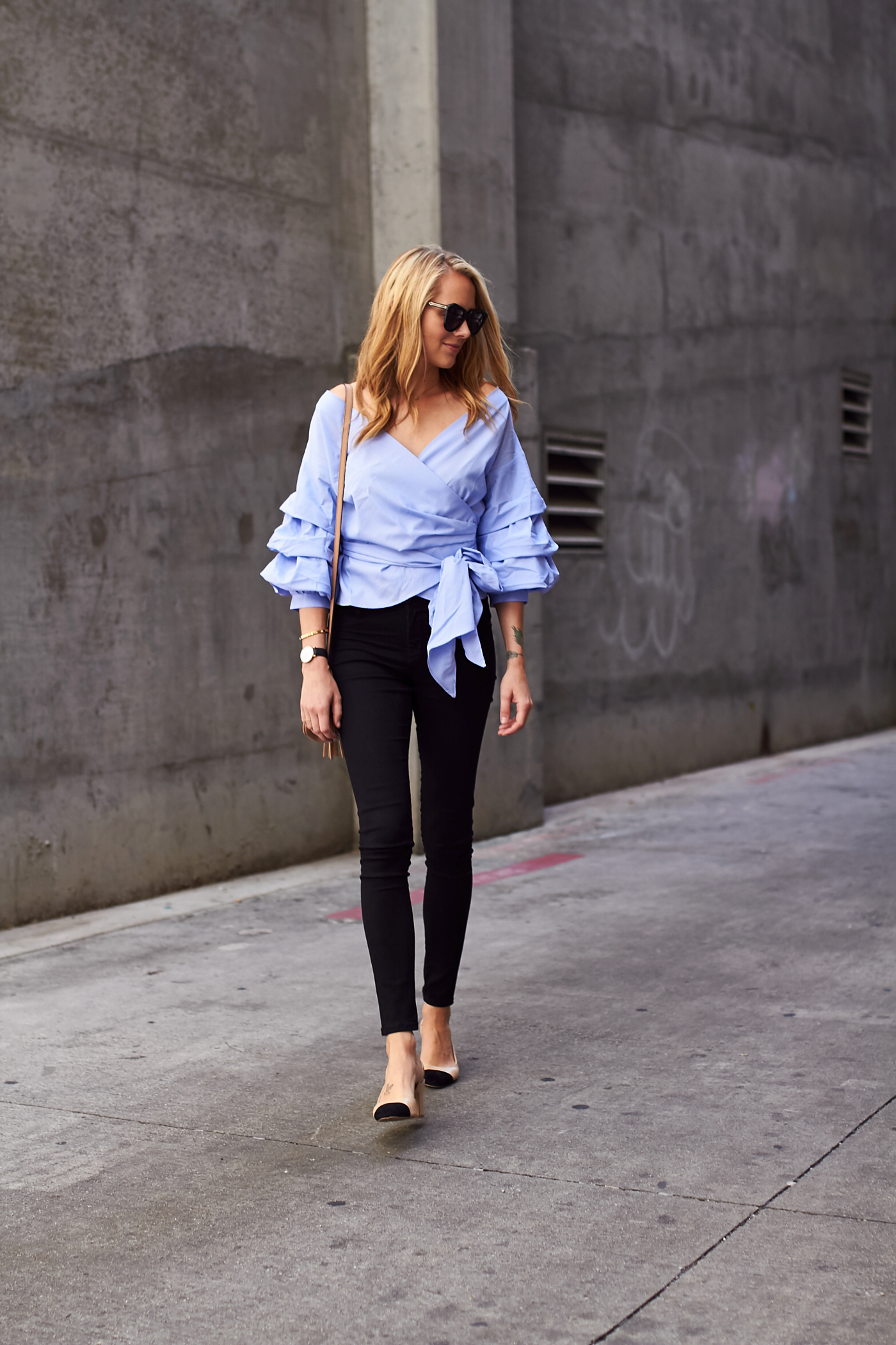 fashion-jackson-james-jeans-black-skinny-jeans-blue-ruffle-sleeve-wrap-top