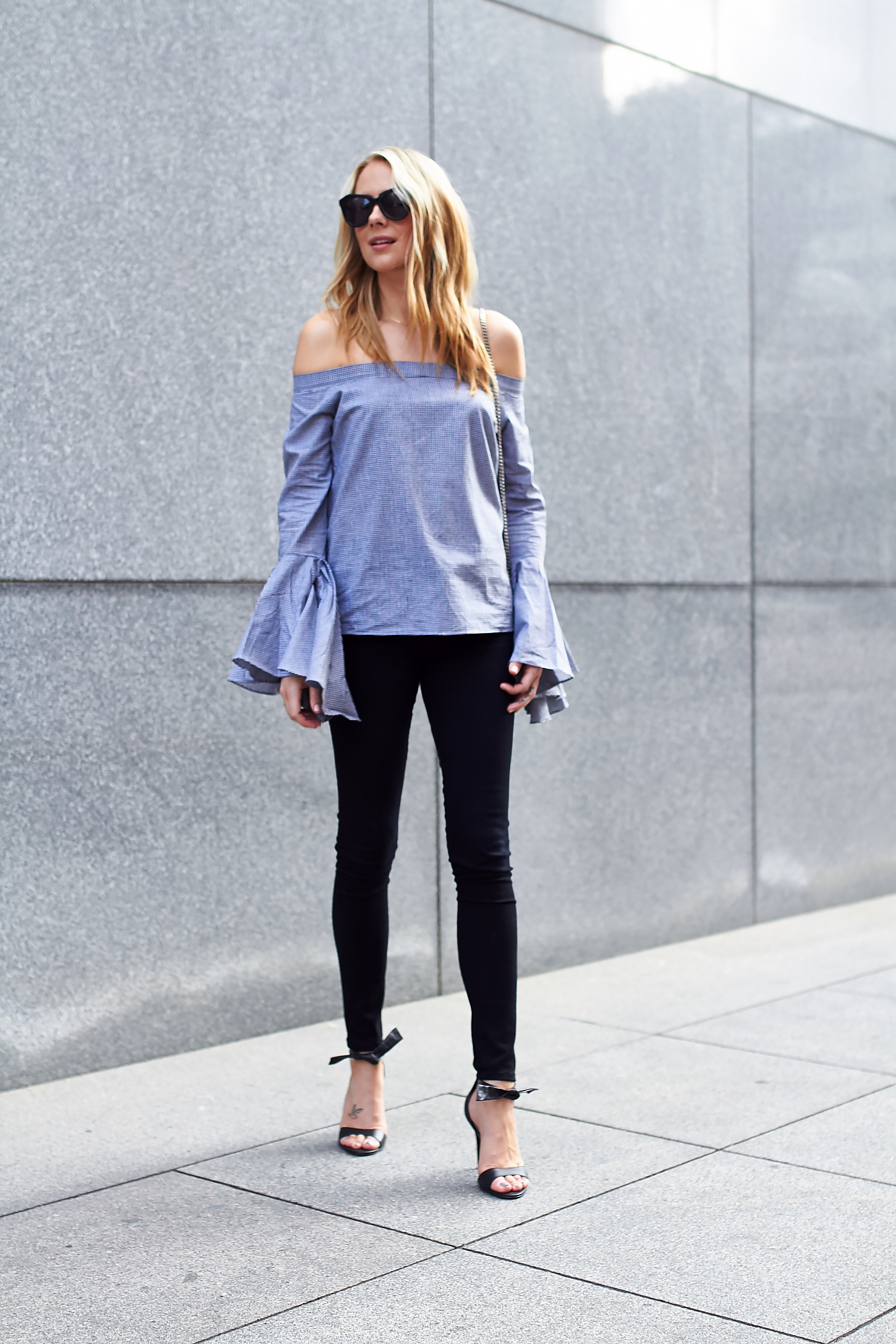 fashion-jackson-bell-sleeve-off-the-shoulder-top-black-skinny-jeans-black-bow-heels
