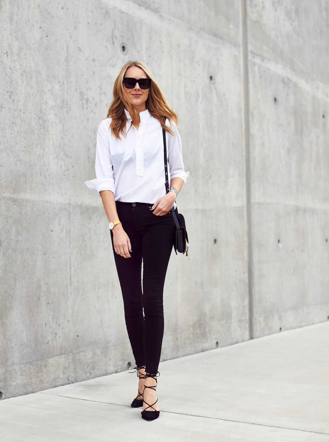 fashion-jackson-loft-black-skinny-jeans-loft-white-shirt
