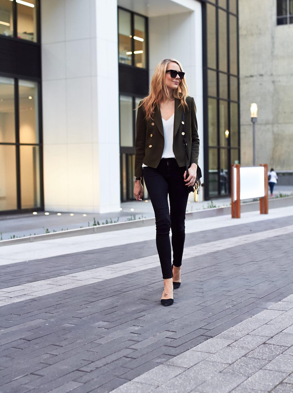 fashion-jackson-topshop-green-military-blazer-black-skinny-jeans-black-pumps