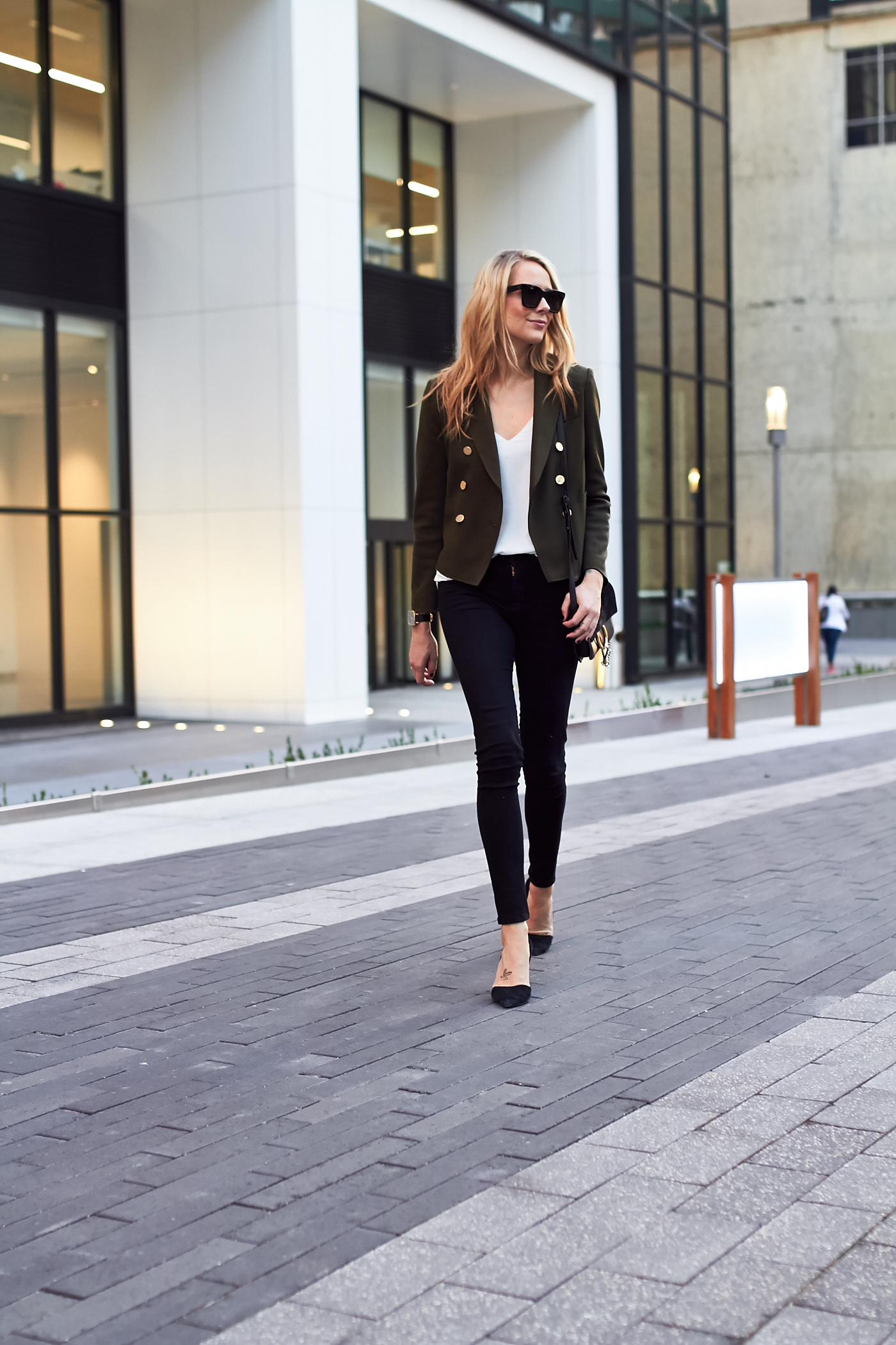 fashion-jackson-topshop-green-military-blazer-black-skinny-jeans-black-pumps