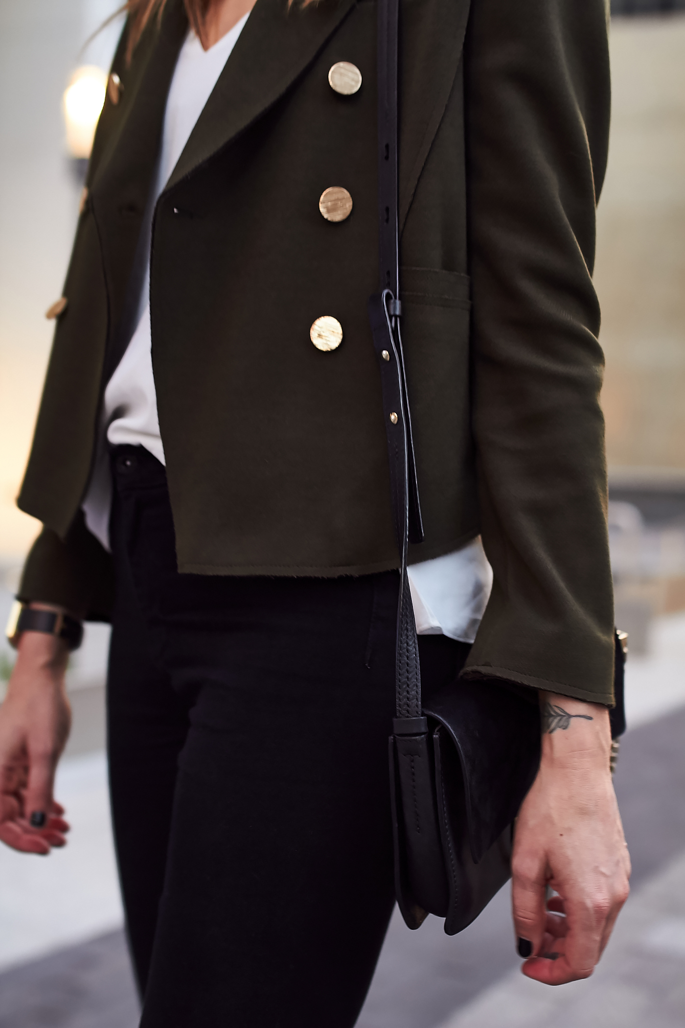 fashion-jackson-topshop-green-military-blazer-white-tank