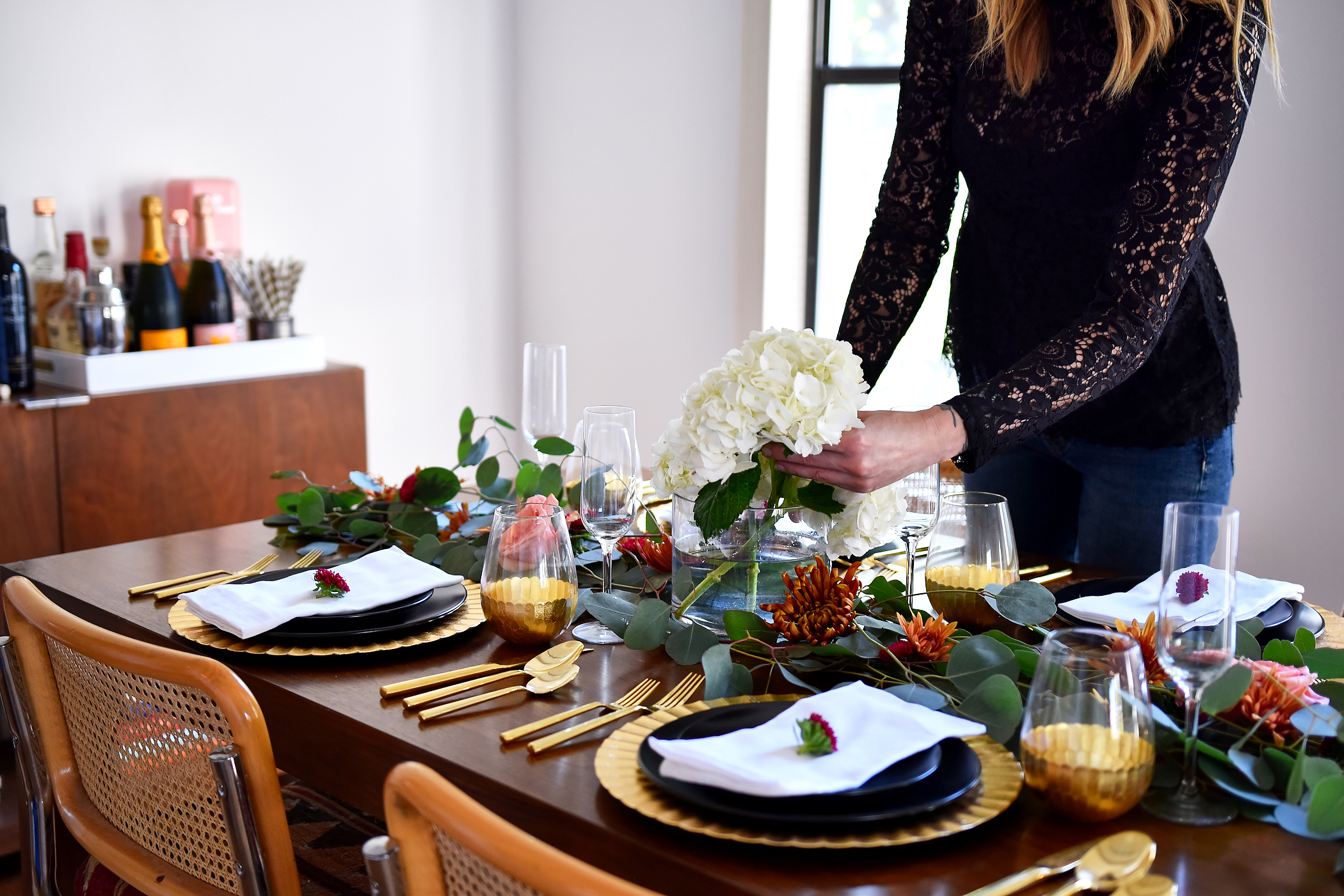 Thanksgiving Tablescape Ideas, Modern Thanksgiving Setting, Black & Gold Dinner Setting, Eucalyptus, Fall Flowers, Black Lace Top