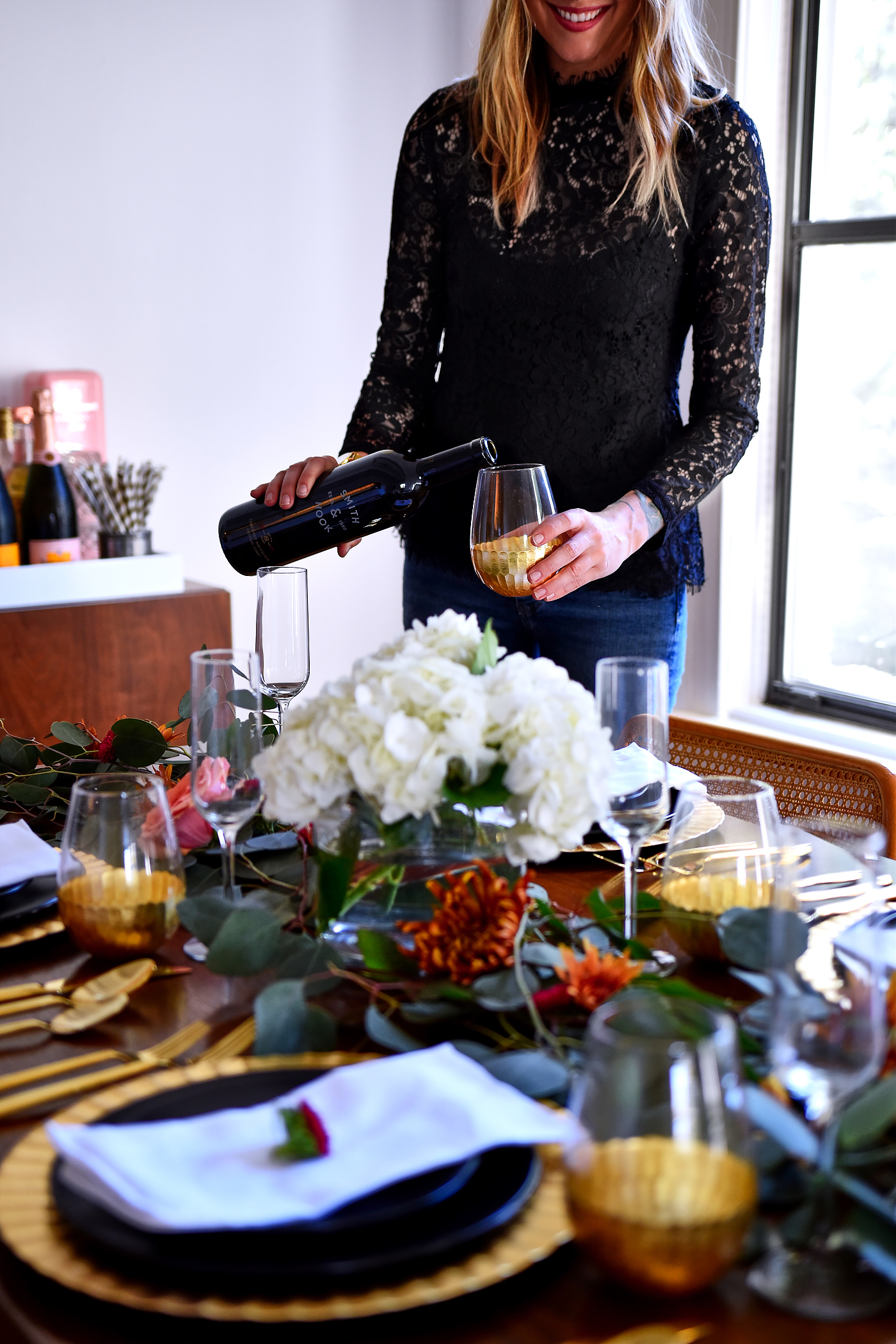 Thanksgiving Tablescape Ideas, Modern Thanksgiving Setting, Black Lace Top, Black & Gold Dinner Setting, Eucalyptus, Fall Flowers