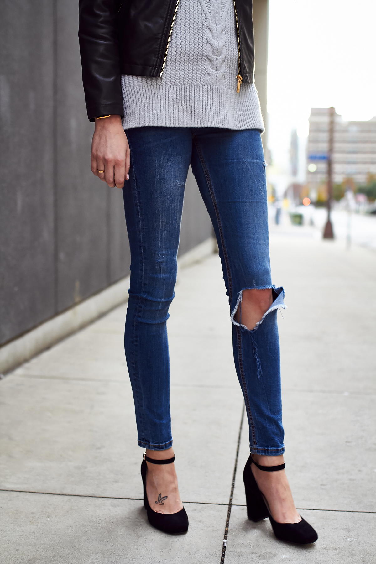 Fall Outfit, Denim Ripped Skinny Jeans, Black Ankle Strap Pumps