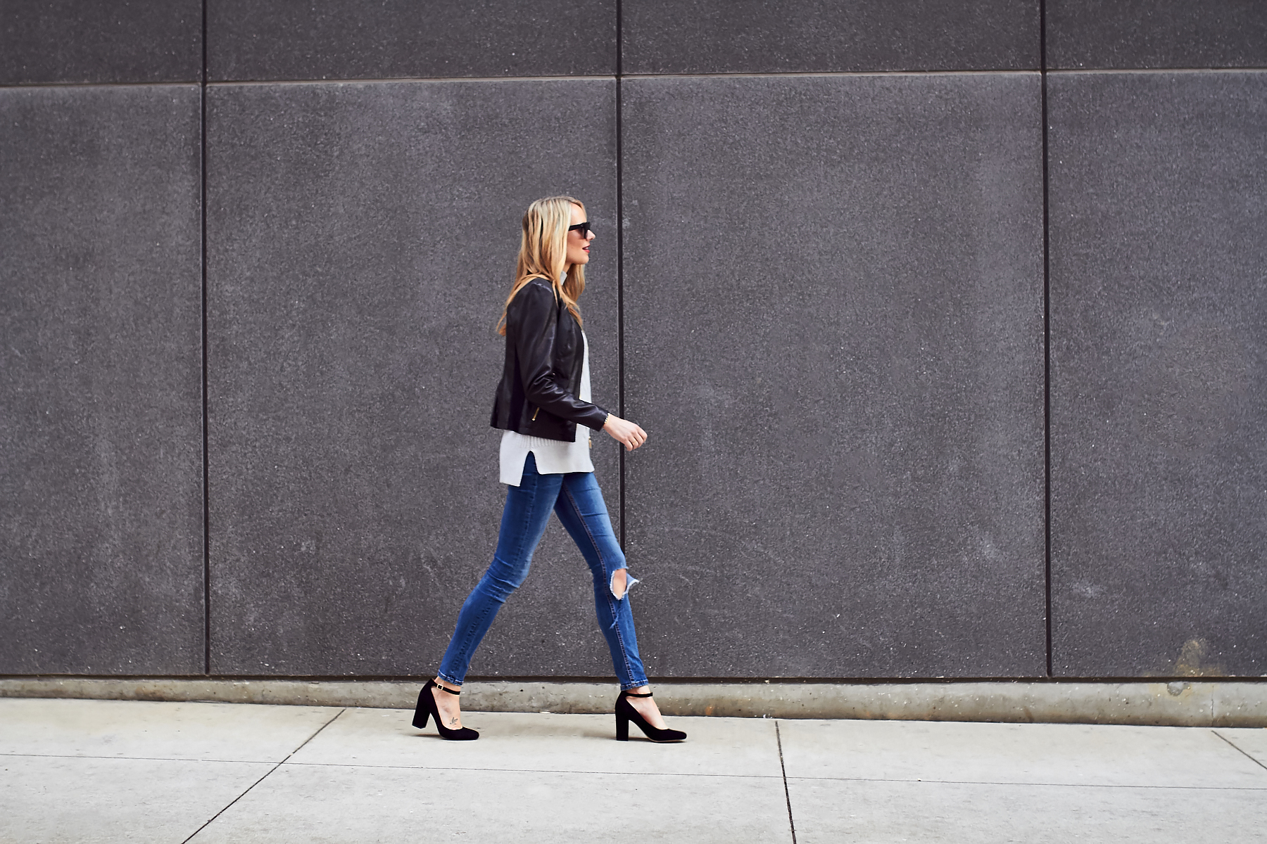 Fall Outfit, Black Leather Jacket, Grey Sweater, Denim Jeans, Black Pumps