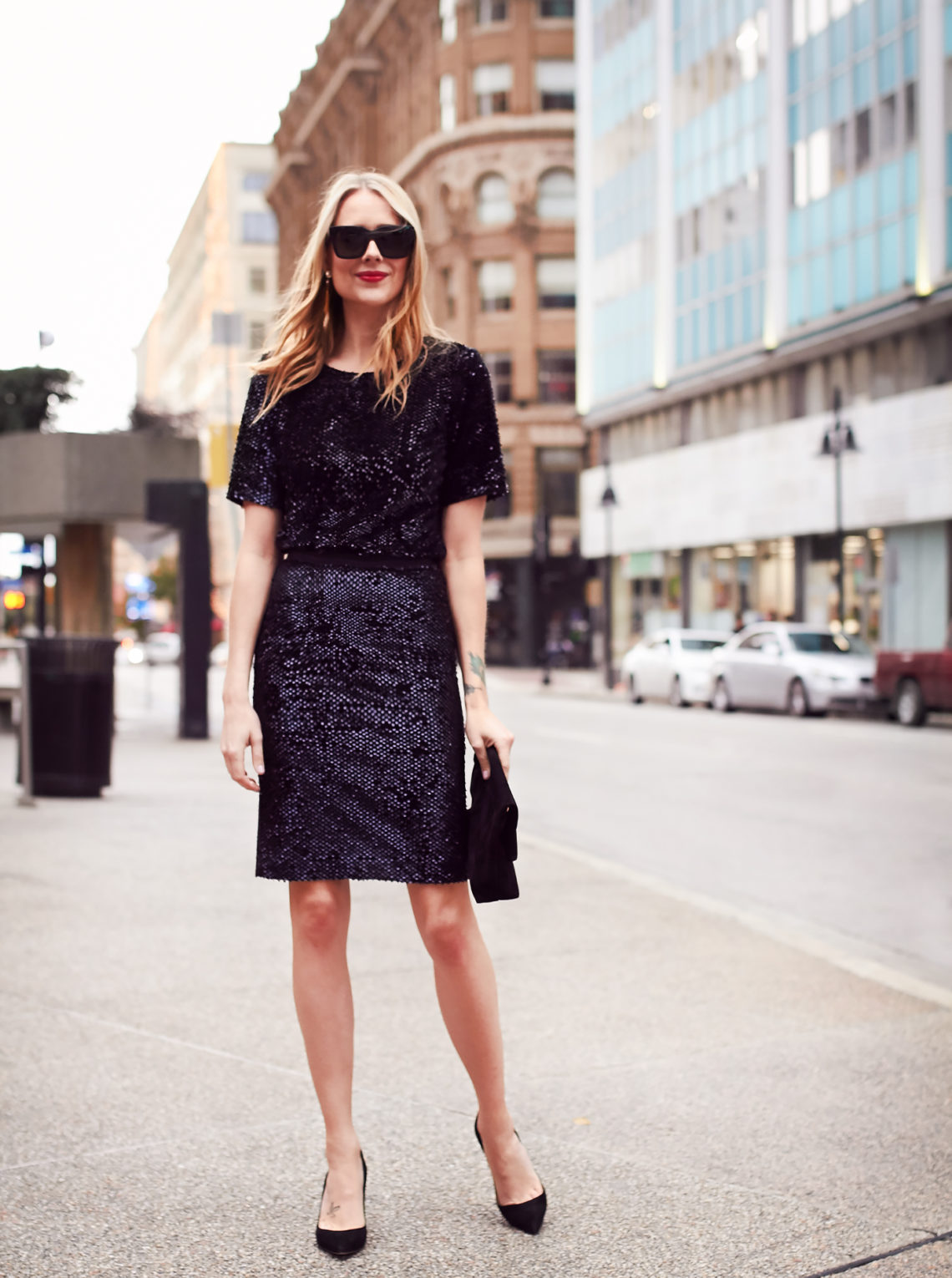 Holiday Outfit, Party Dressing, Sequin Top, Sequin Pencil Skirt, Black Pumps, Black Velvet Clutch, Red Lipstick
