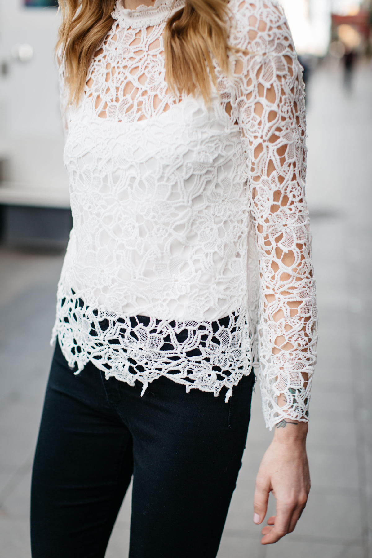 Fall Outfit, Winter Outfit, White Lace Long Sleeve Top, Black Skinny Jeans