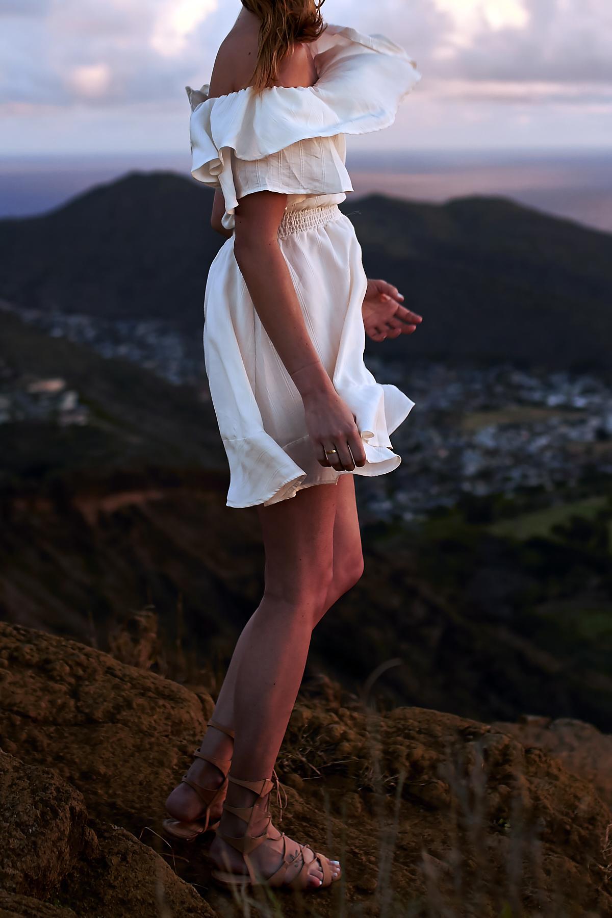 Tropical Vacation, white-off-the-shoulder-dress, Hawaii, Oahu, Koko Head, Sunrise