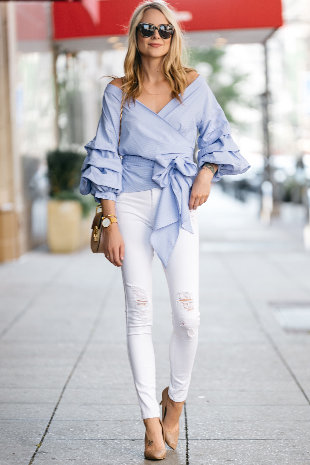 Fashion Jackson, Dallas Blogger, Fashion Blogger, Street Style, Blue Ruffle Sleeve Top, James Jeans White Skinny Jeans, Chloe Drew Blush Handbag, Nude Pumps