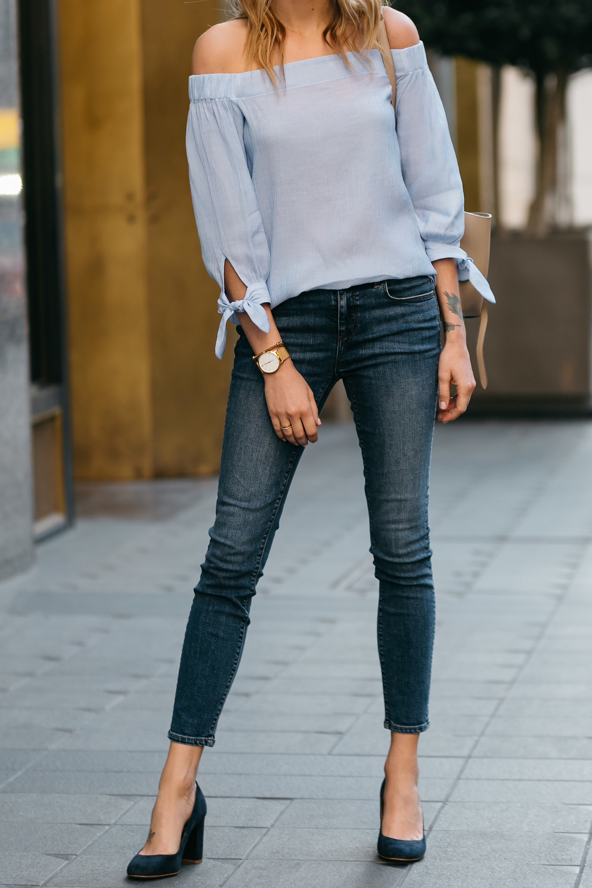 Fashion Jackson, Dallas Blogger, Fashion Blogger, Street Style, Ann Taylor Blue Tie Off-the-shoulder Top, Denim Skinny Jeans, Navy Suede Block Heel Pumps, Celine Belt Bag