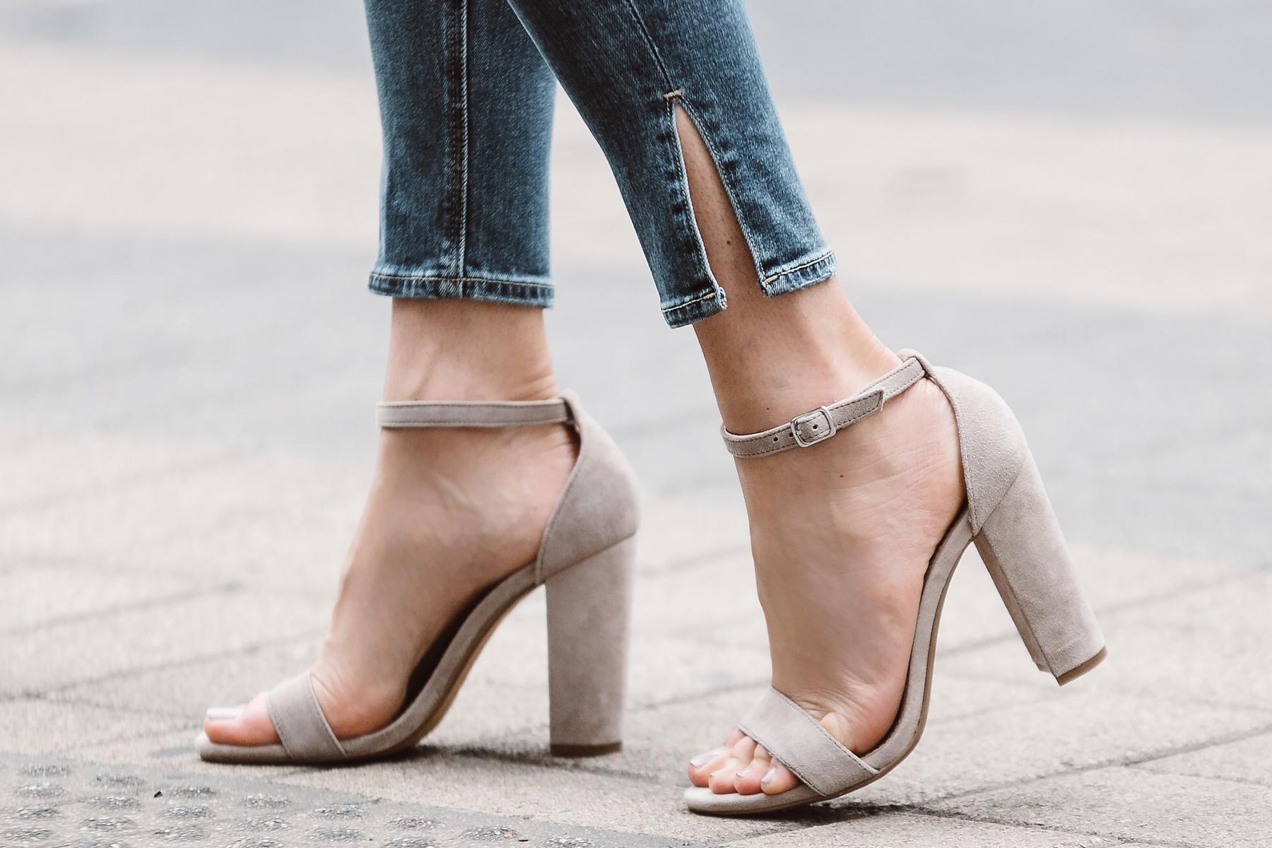 Fashion Jackson, Dallas Blogger, Fashion Blogger, Steve Madden Carrson Heeled Sandals, Split Hem Denim Skinny Jeans
