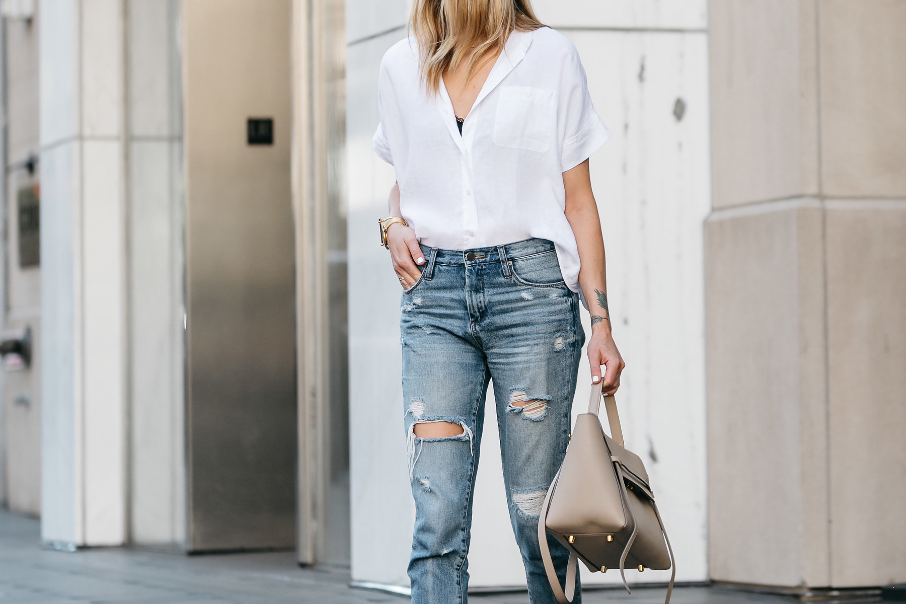 Fashion Jackson, Dallas Blogger, Fashion Blogger, Street Style, Everlane White Button Down Short Sleeve Shirt, Blanknyc Relaxed Ripped Denim Jeans, Celine Belt Handbag, Everlane Blush Pointed Slides, Celine Aviator Sunglasses