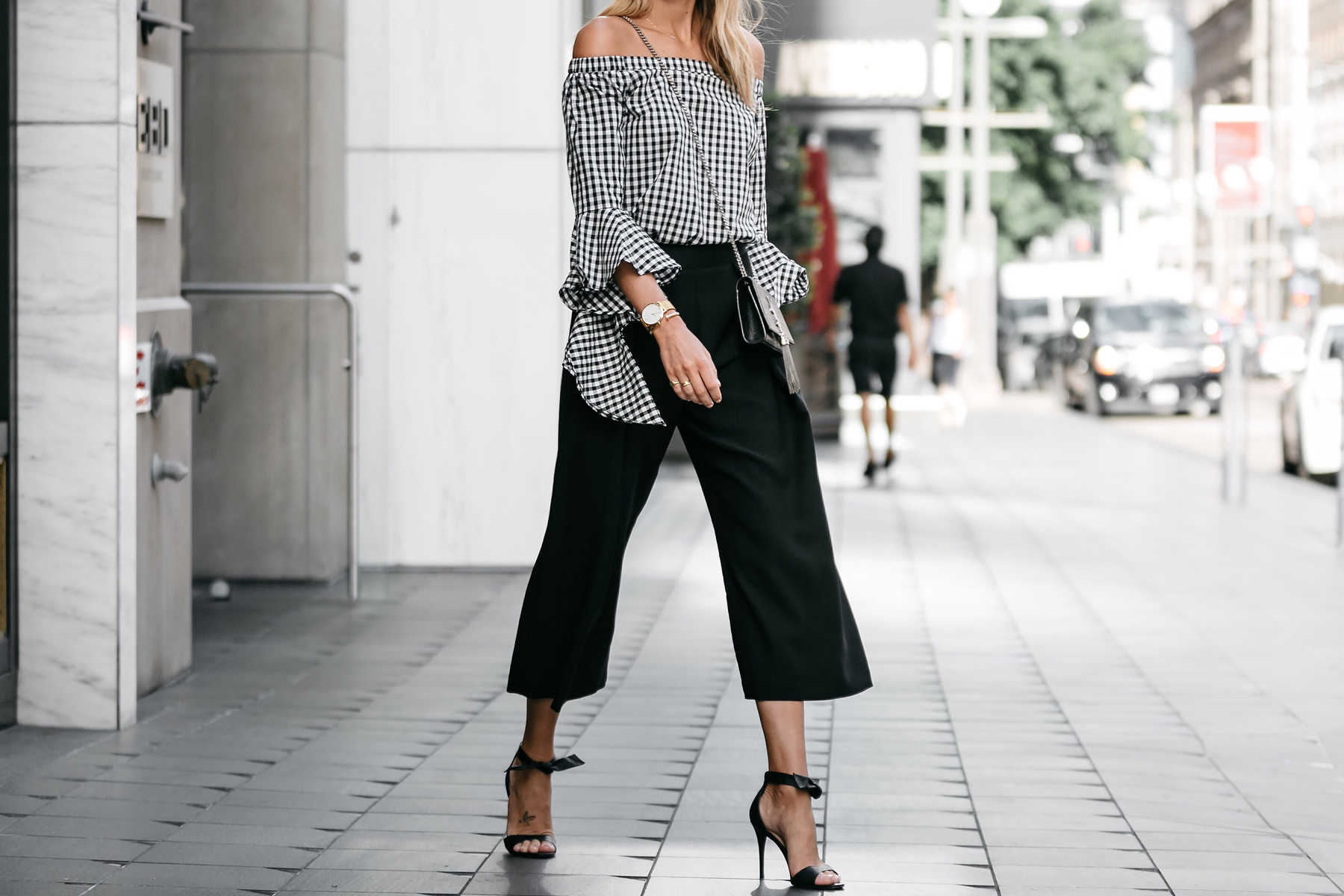 e9ee1b96708 Blonde woman wearing nordstrom gingham off-the-shoulder top topshop black  culottes outfit black