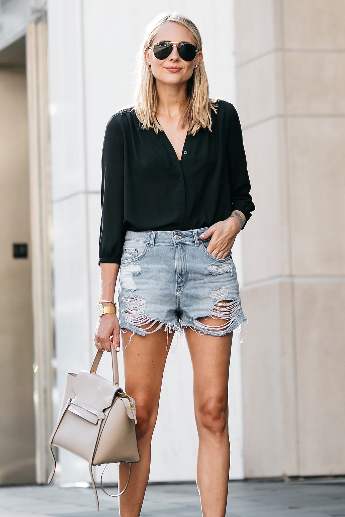 Mom Jean Shorts Outfit